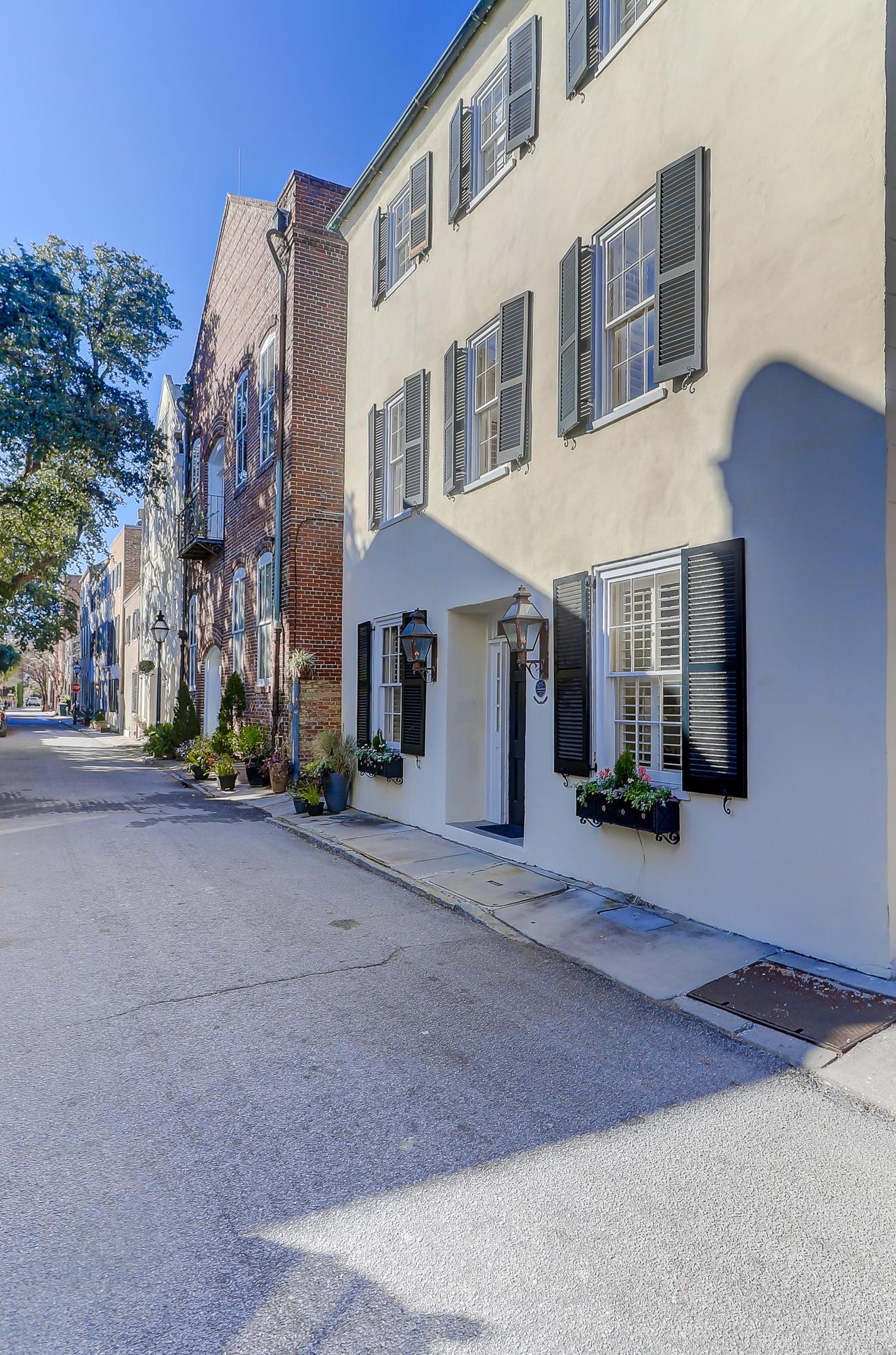 8 Elliott Street Charleston, SC 29401
