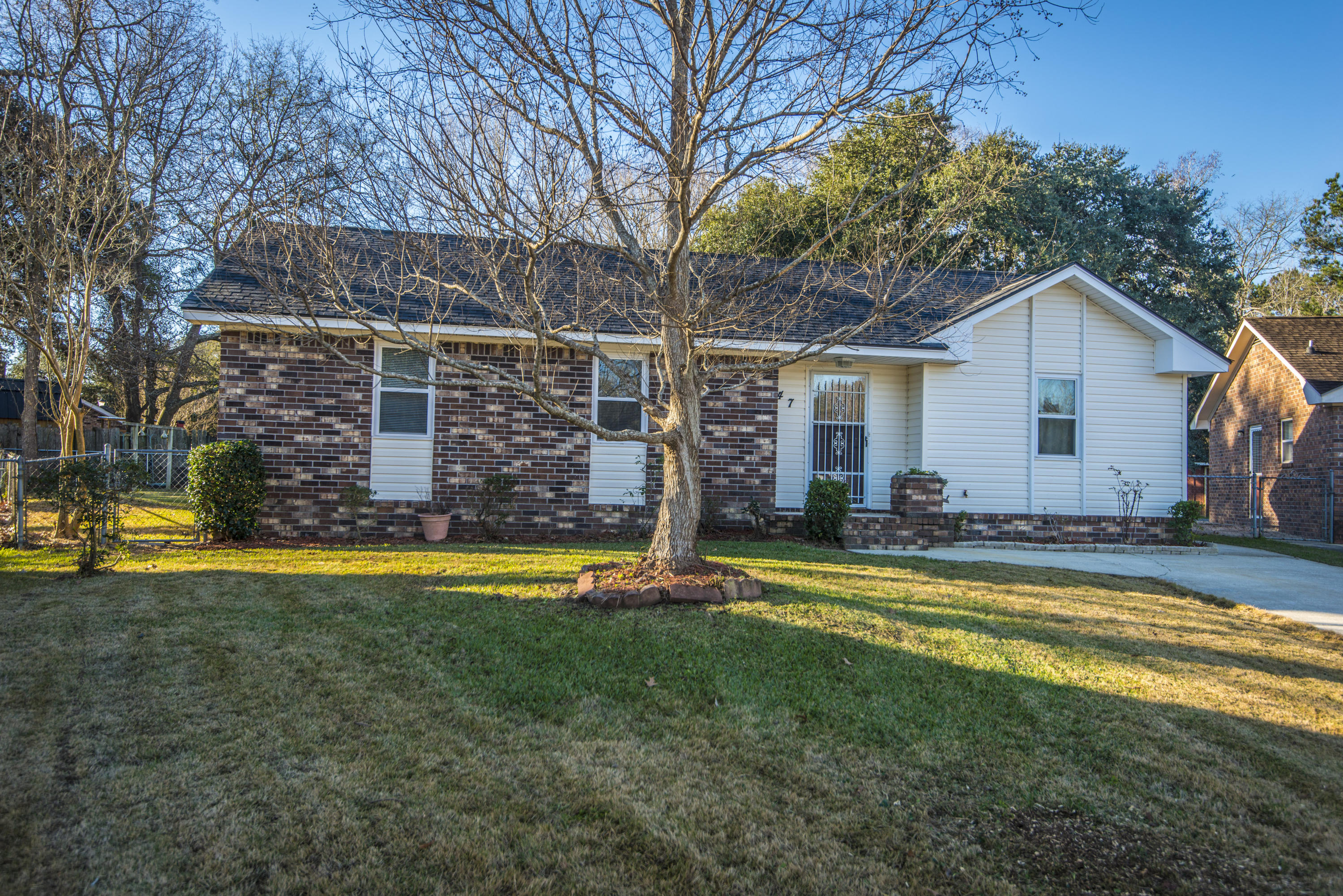 47 Oak Grove Road Goose Creek, SC 29445