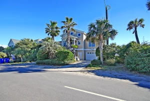 211 Arctic Avenue, Folly Beach, SC 29439