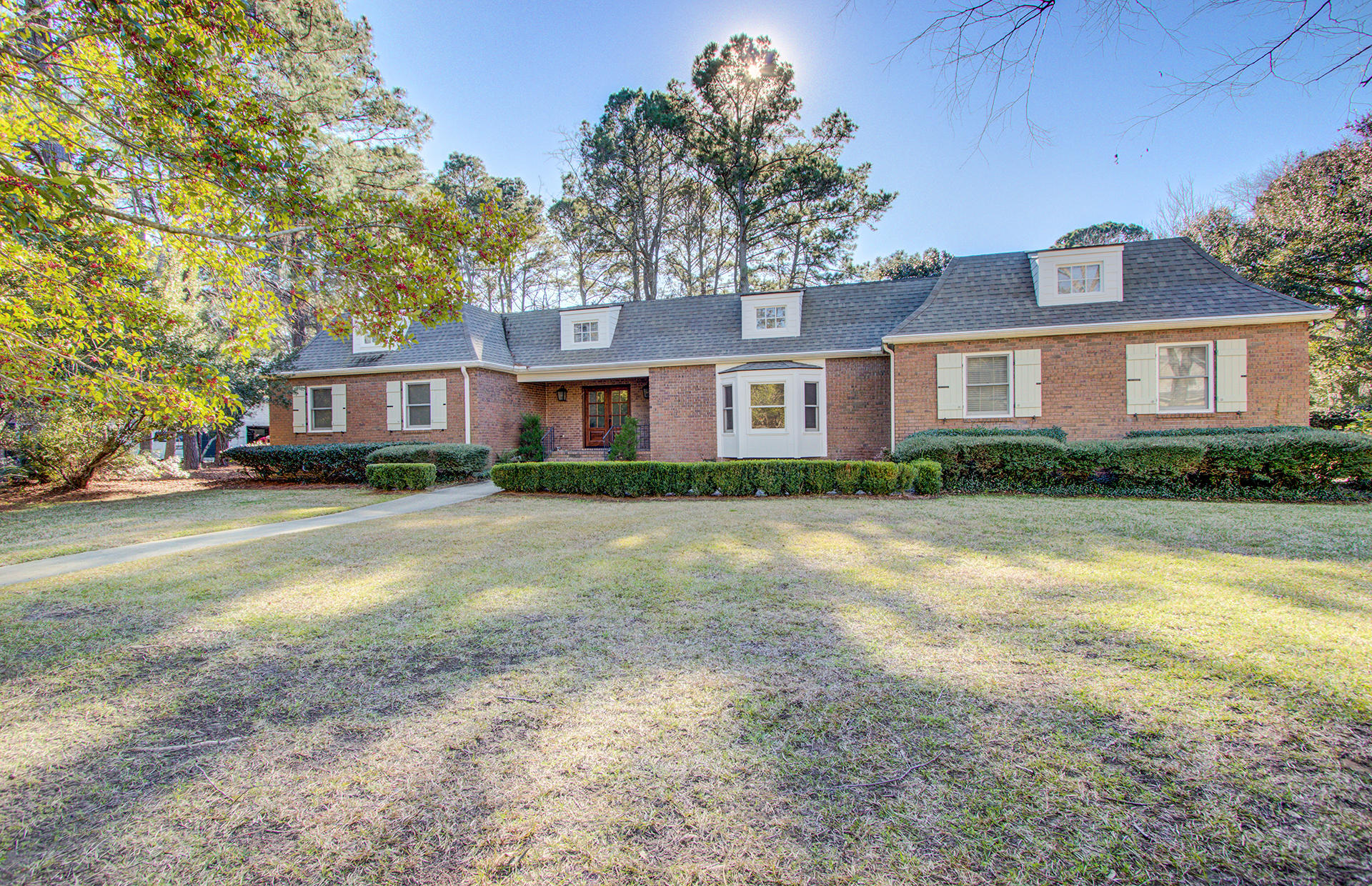 1180 Moss Bluff Mount Pleasant, SC 29464