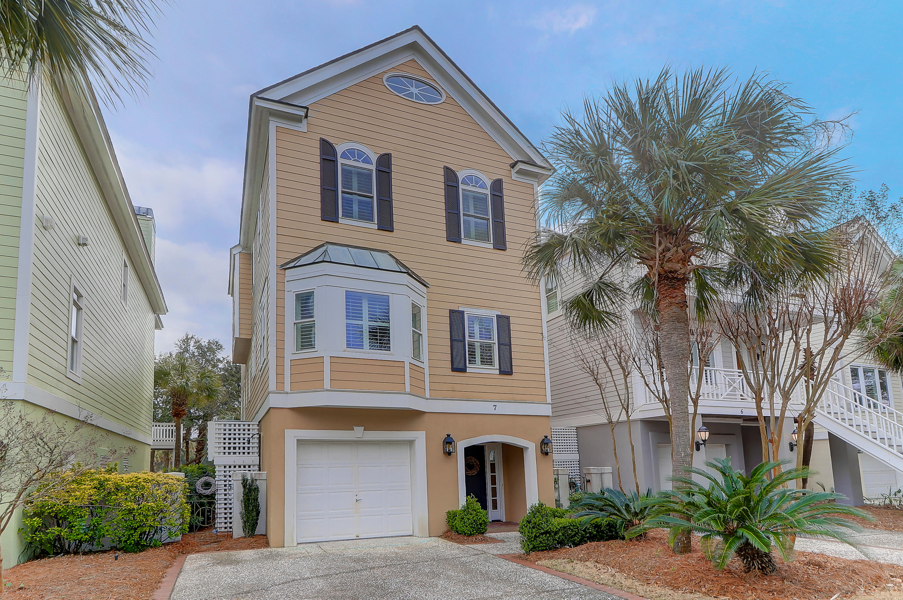7 Commons Court Isle Of Palms, SC 29451