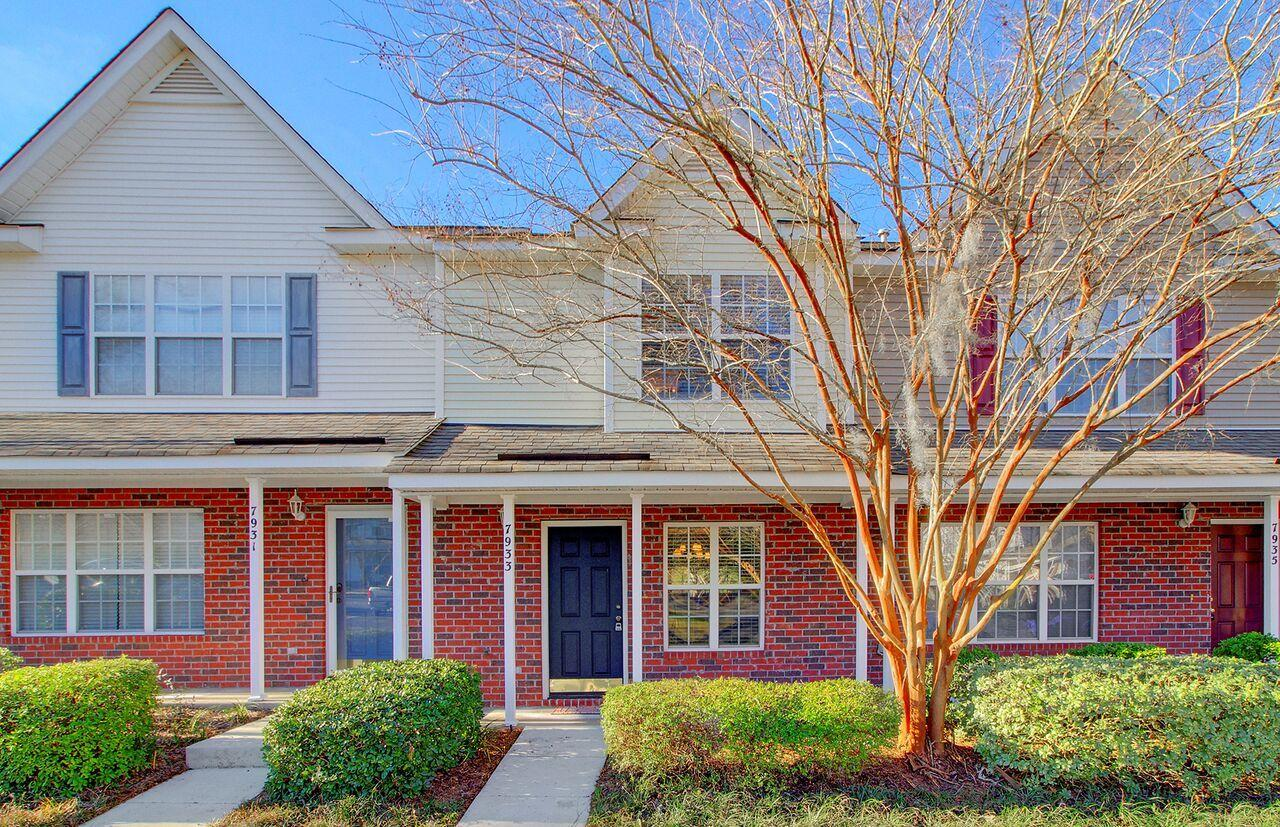 7933 Shadow Oak Drive North Charleston, SC 29406