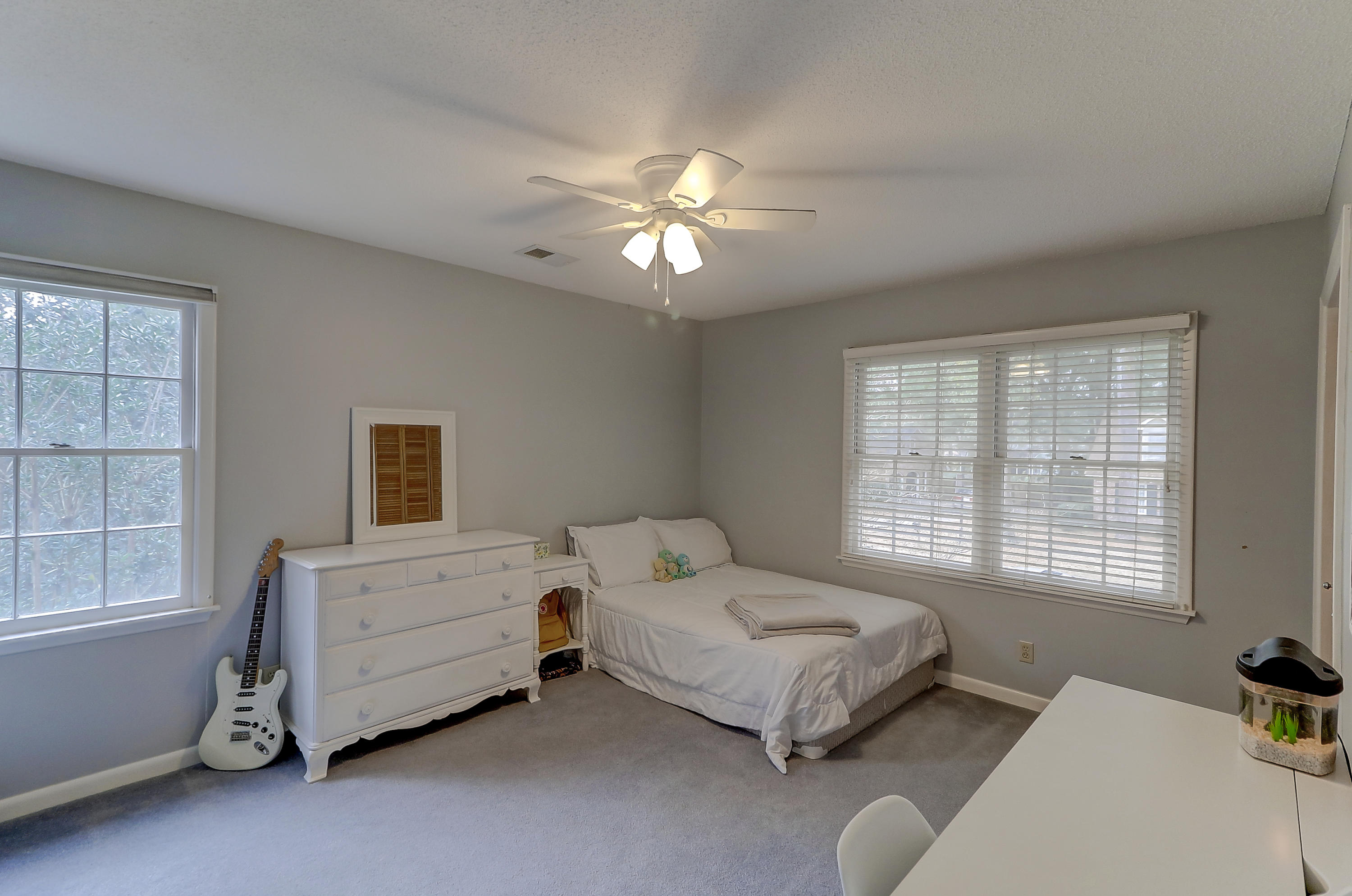 1271 W Vagabond Lane Mount Pleasant, SC 29464