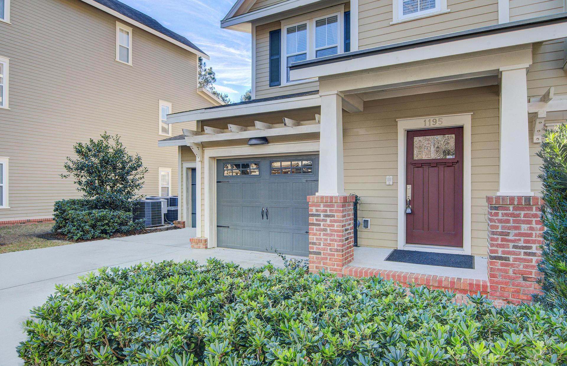 Royal Palms Homes For Sale - 1195 Dingle, Mount Pleasant, SC - 2