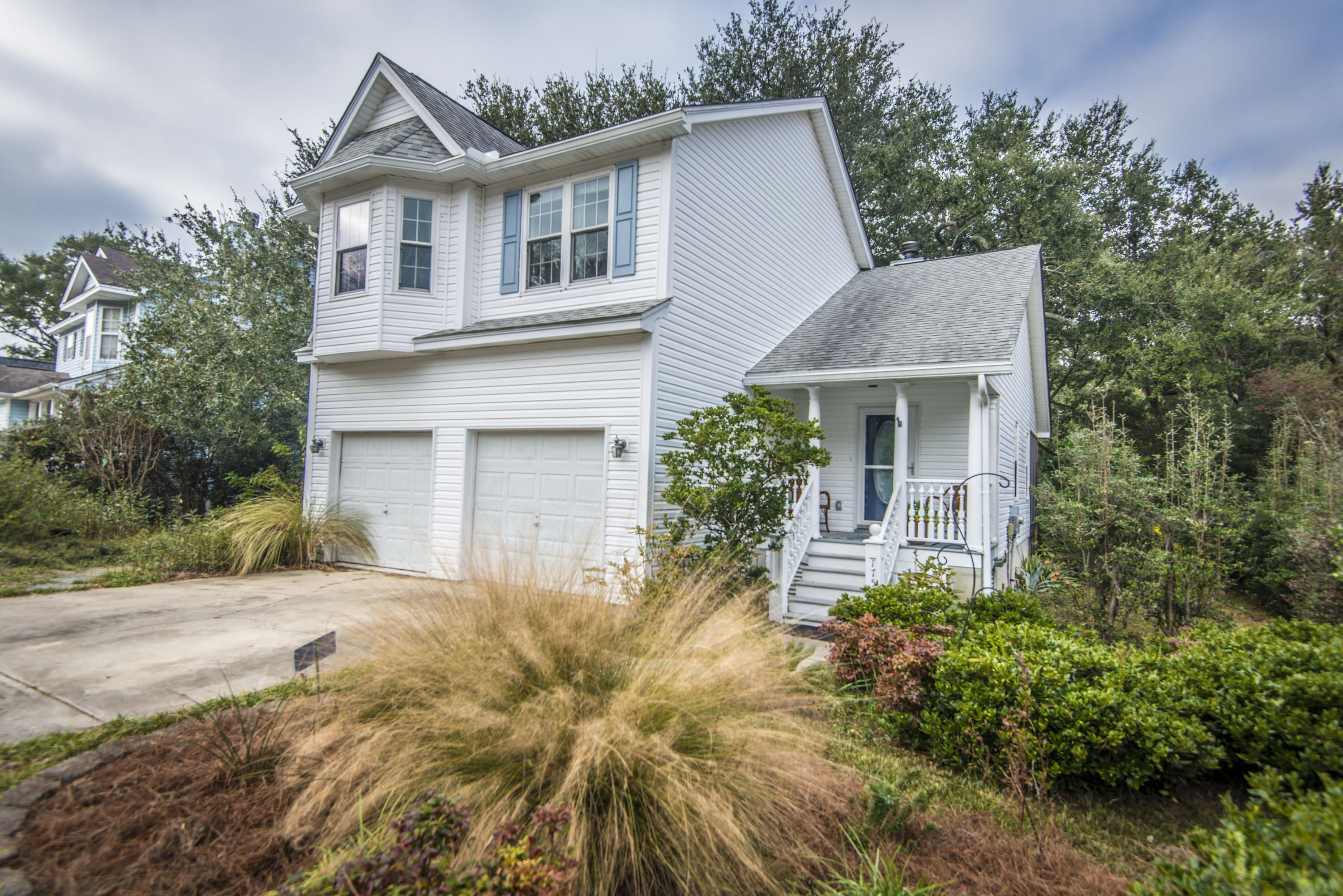 1759 Crystal Lake Dr Drive Charleston, SC 29412