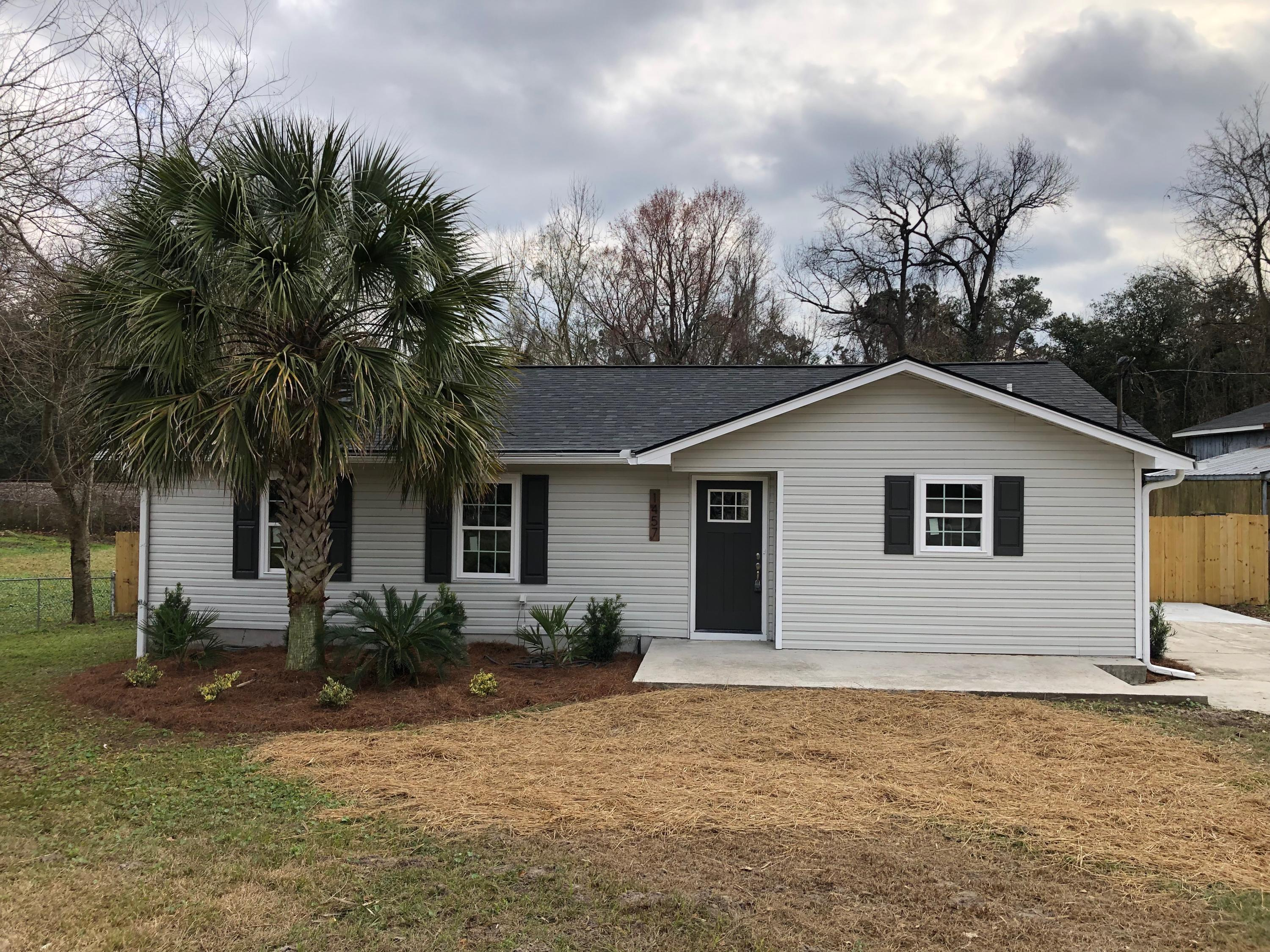 1457 Bexley Street North Charleston, SC 29405