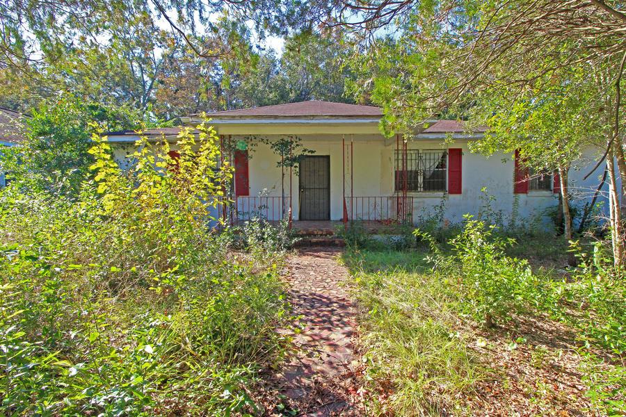 733 Spark Street Mount Pleasant, SC 29464