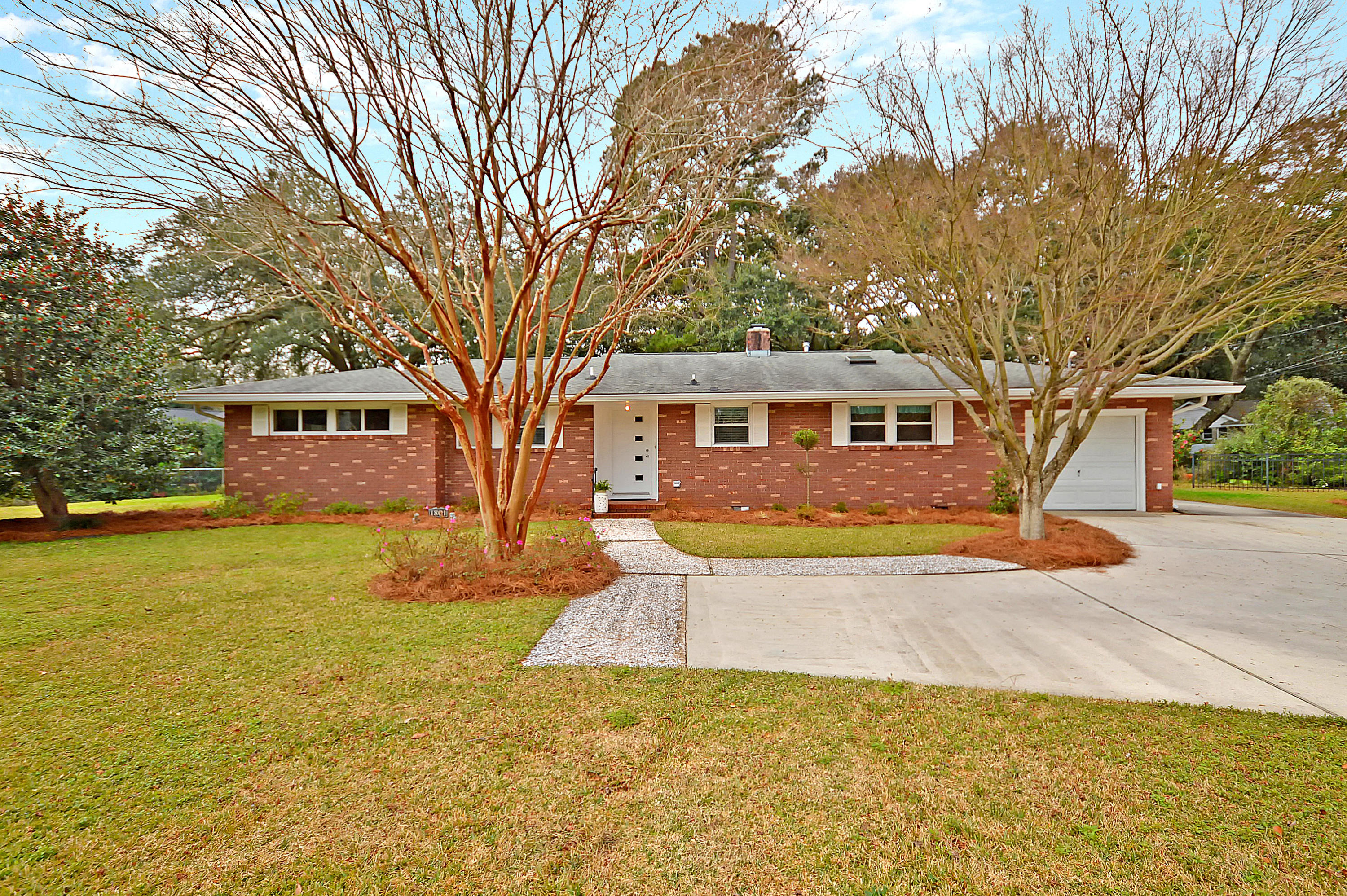 1801 Somerset Circle Charleston, SC 29407