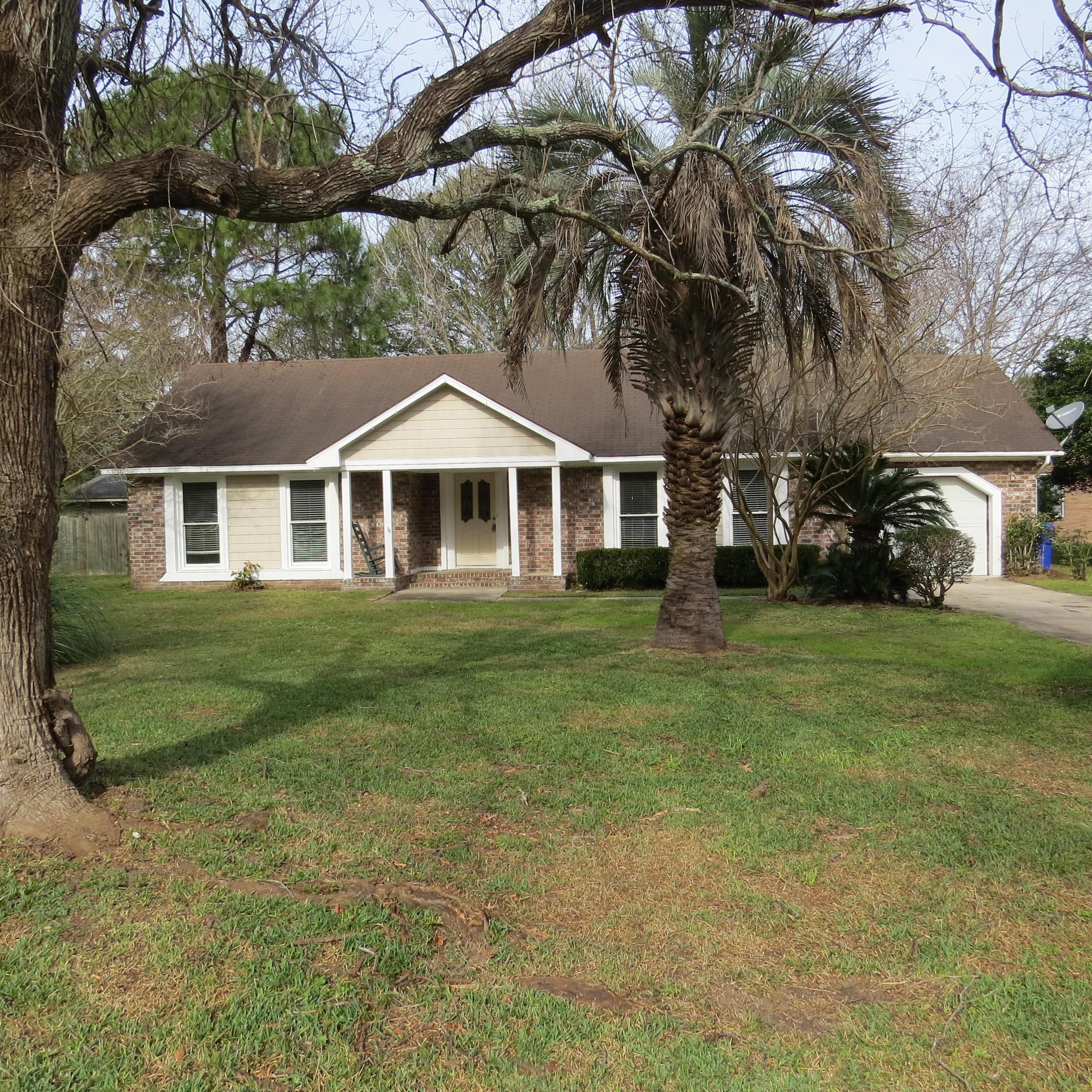1041 Wellington Drive Charleston, SC 29412