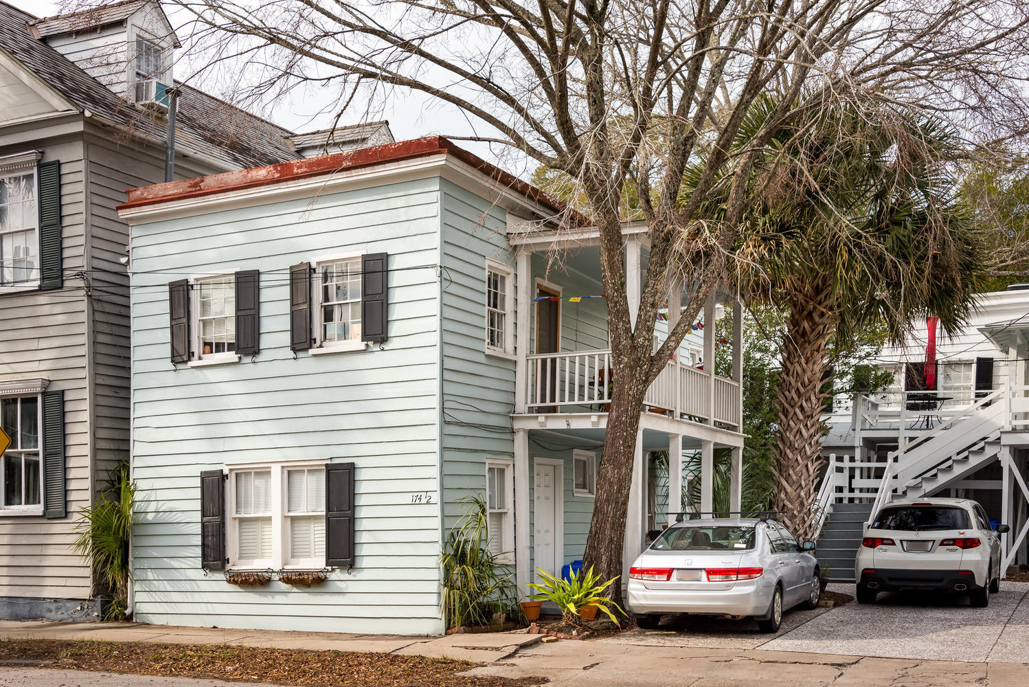 174 1/2 Wentworth Street Charleston, SC 29401