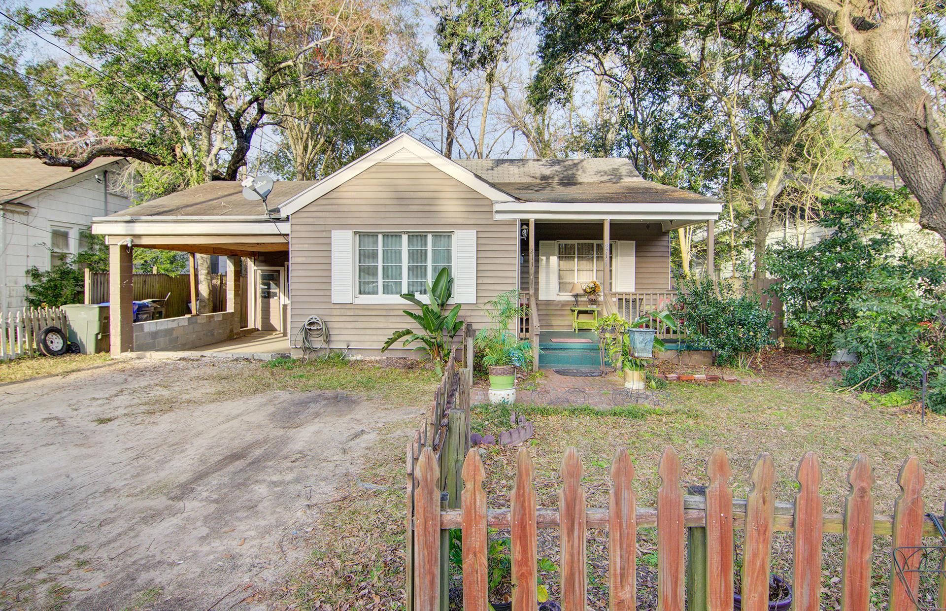 211 Magnolia Road Charleston, SC 29407
