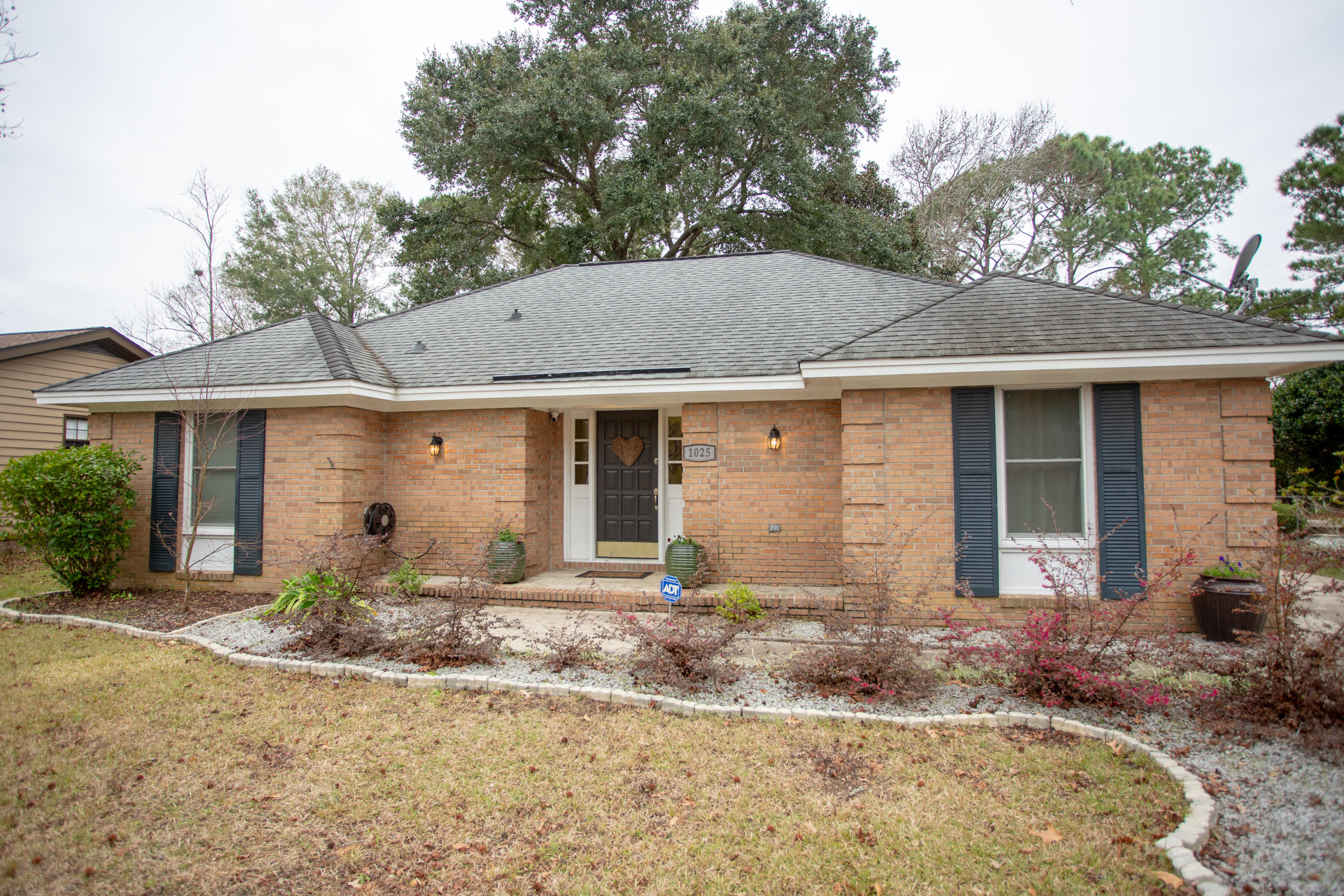 1025 Wellington Drive Charleston, SC 29412