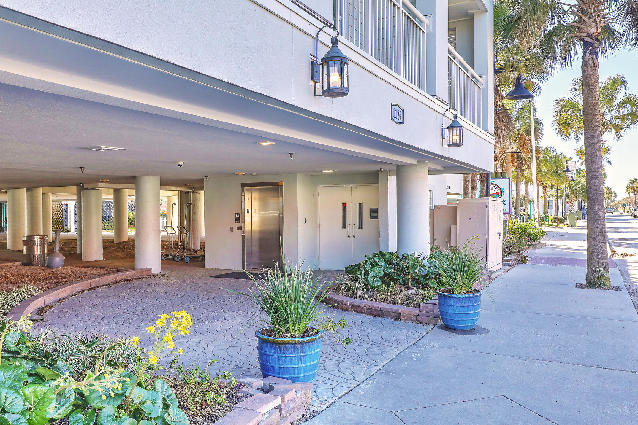 The Palms Hotel Homes For Sale - 1126 Ocean, Isle of Palms, SC - 12