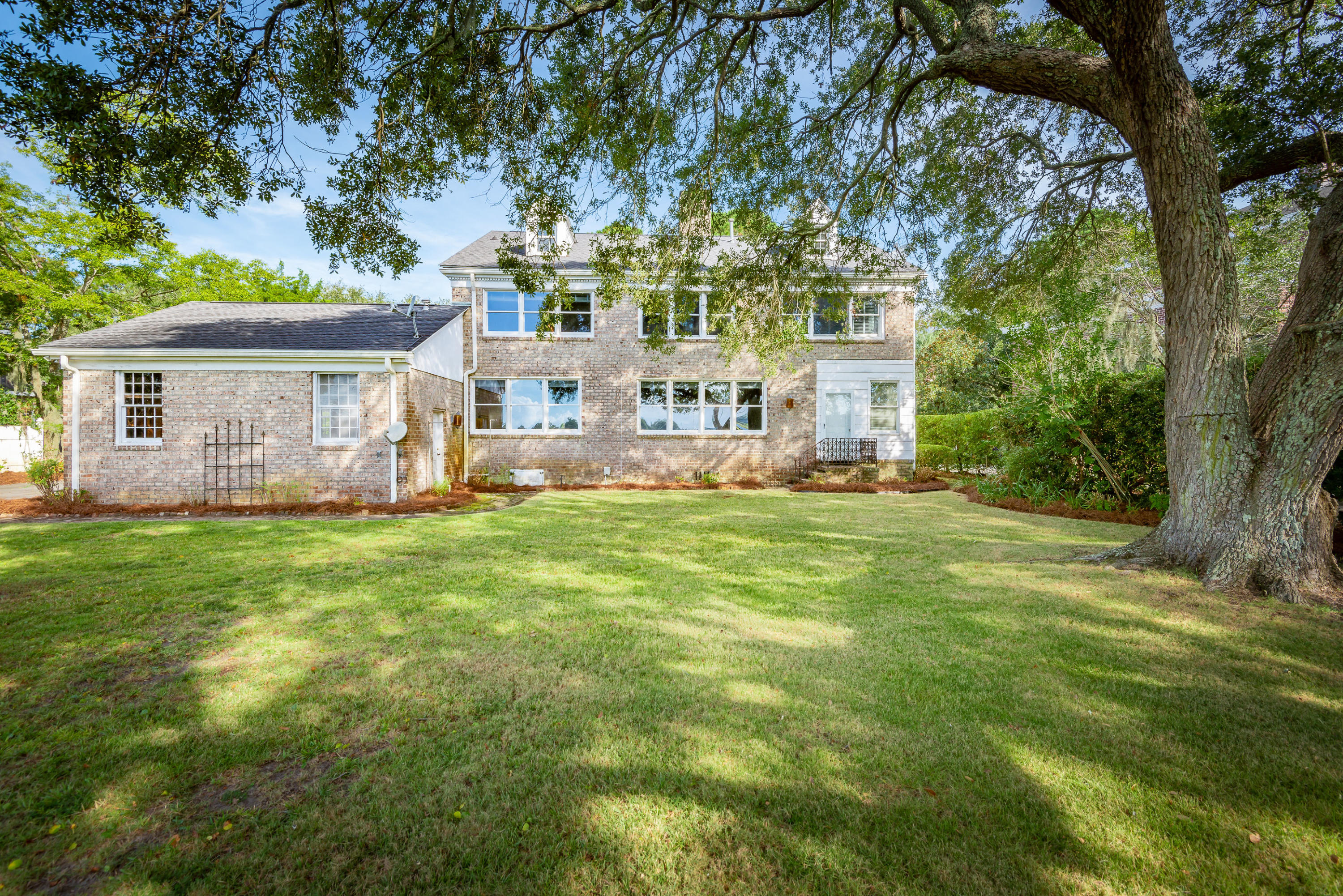 5 Broughton Road Charleston, SC 29407