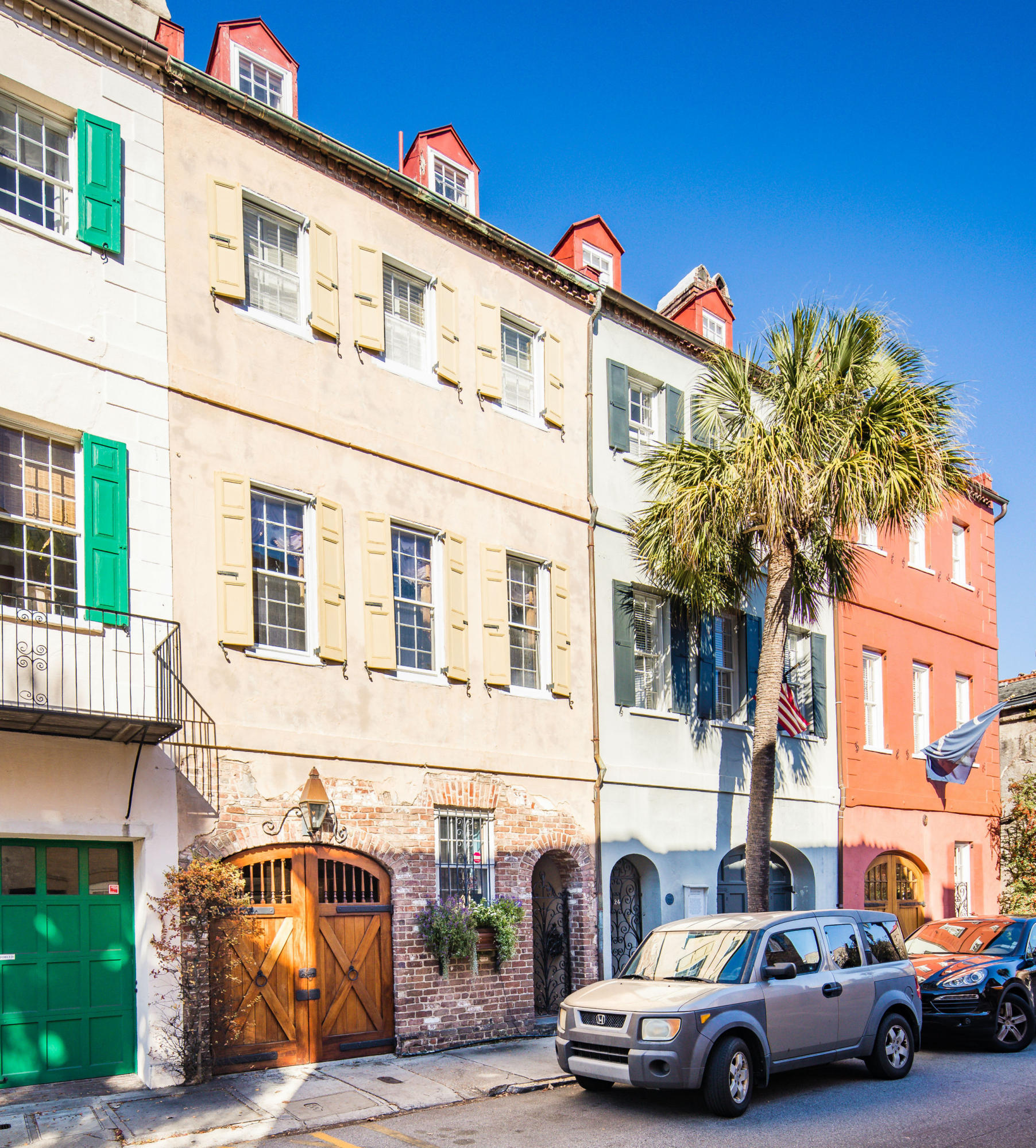 26 Queen Street Charleston, SC 29401