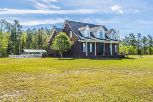 1084 BARNYARD ROAD, BONNEAU, SC 29431  Photo 3