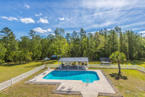 1084 BARNYARD ROAD, BONNEAU, SC 29431  Photo 14