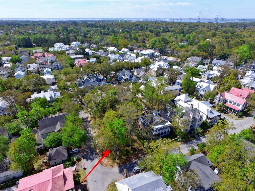 28 Edenton Road Mount Pleasant, SC 29464