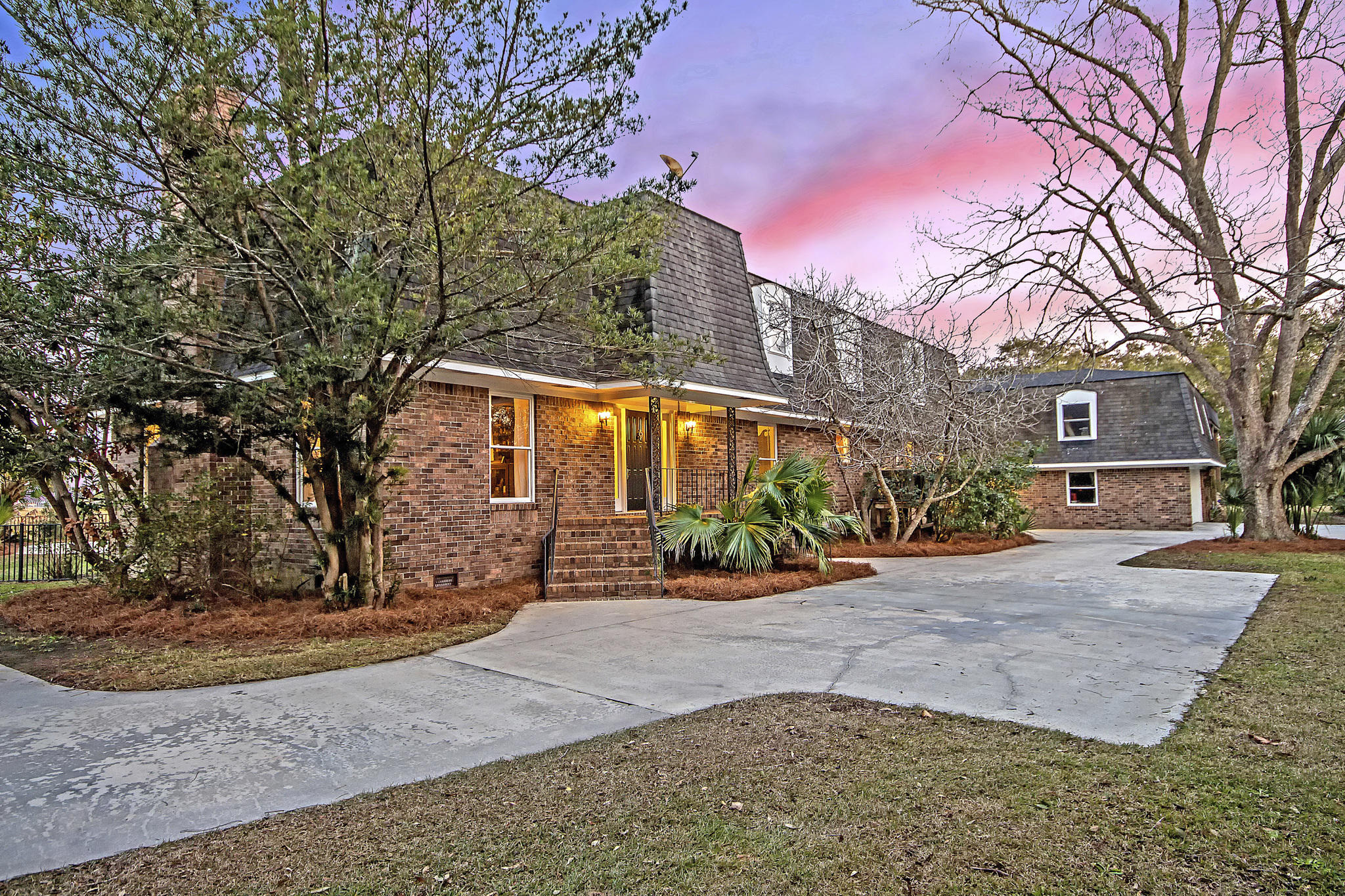 Lawton Bluff Homes For Sale - 608 Shore, Charleston, SC - 14