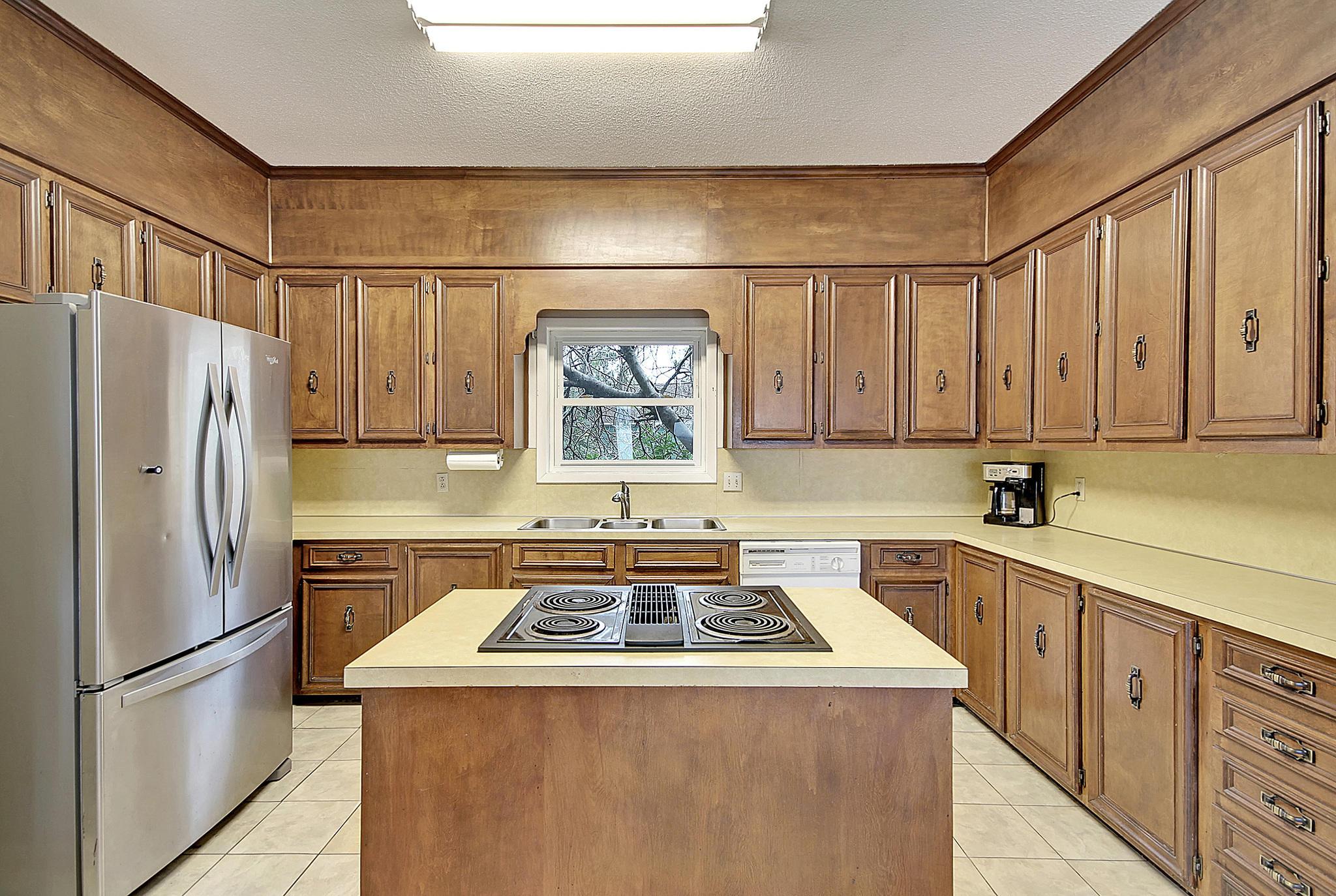 Lawton Bluff Homes For Sale - 608 Shore, Charleston, SC - 3