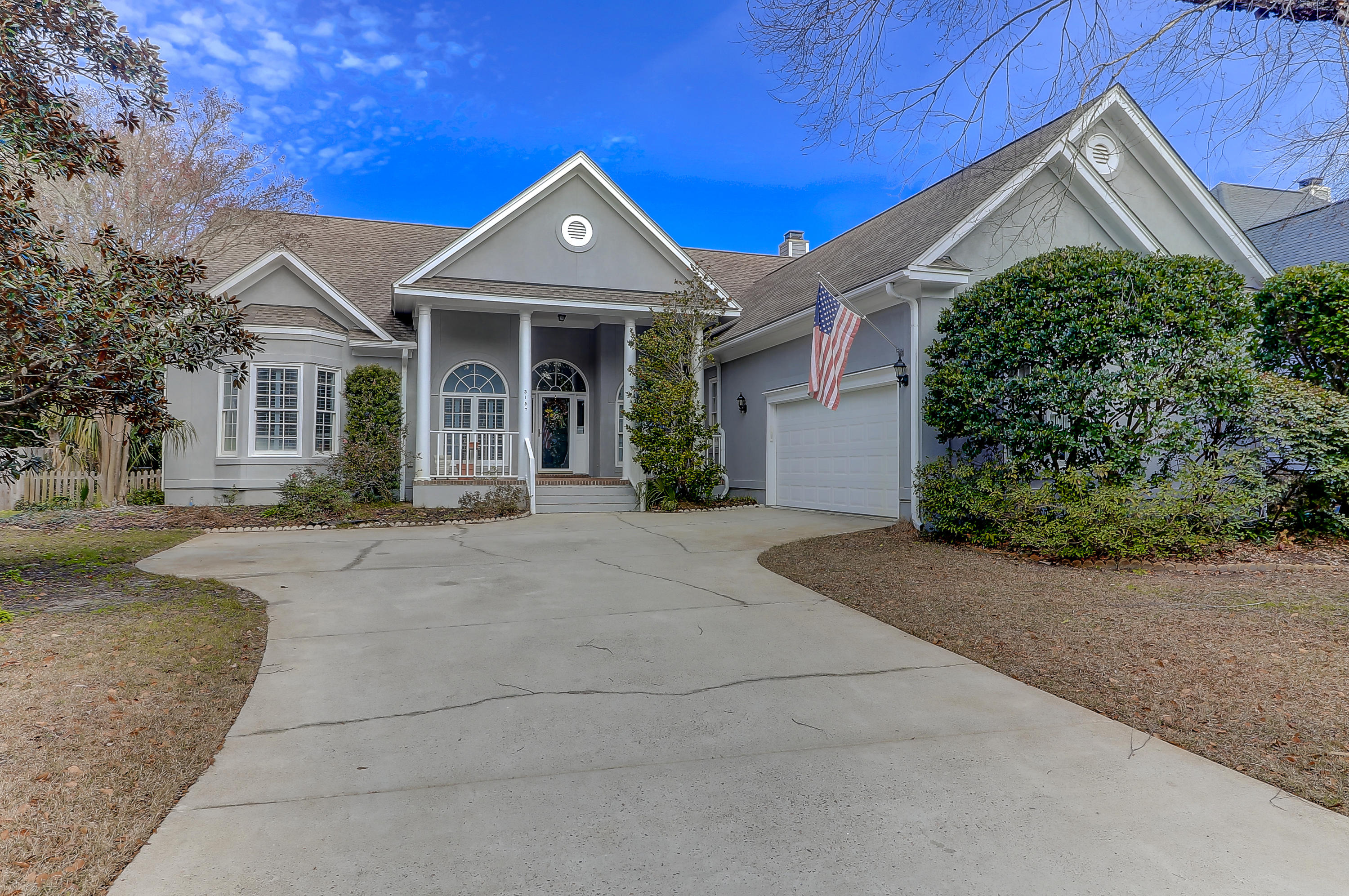 3157 Linksland Road Mount Pleasant, SC 29466