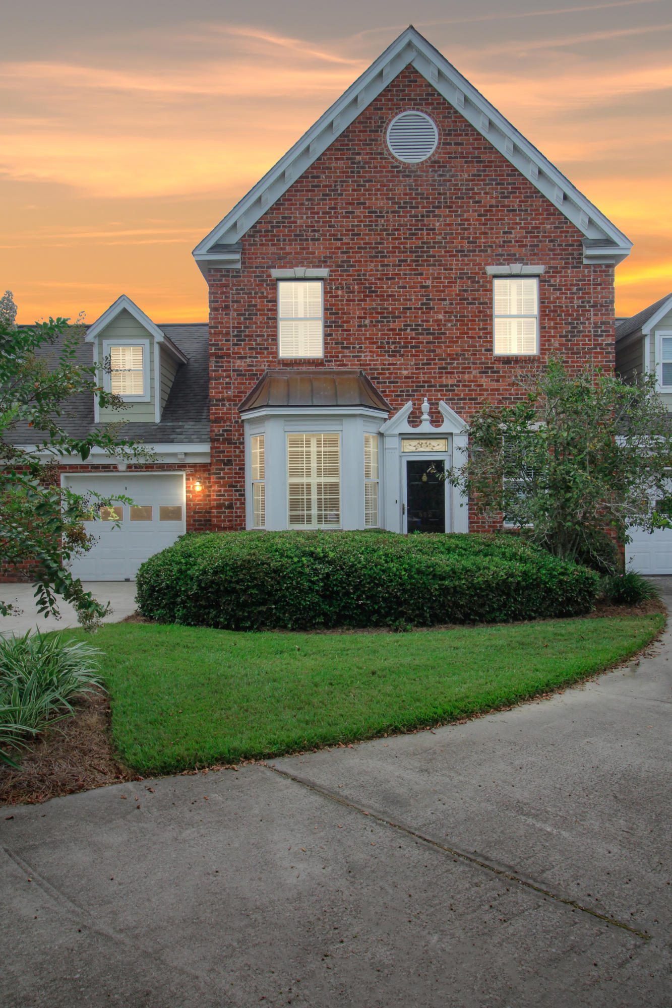 852 Fountain Lane Mount Pleasant, SC 29464