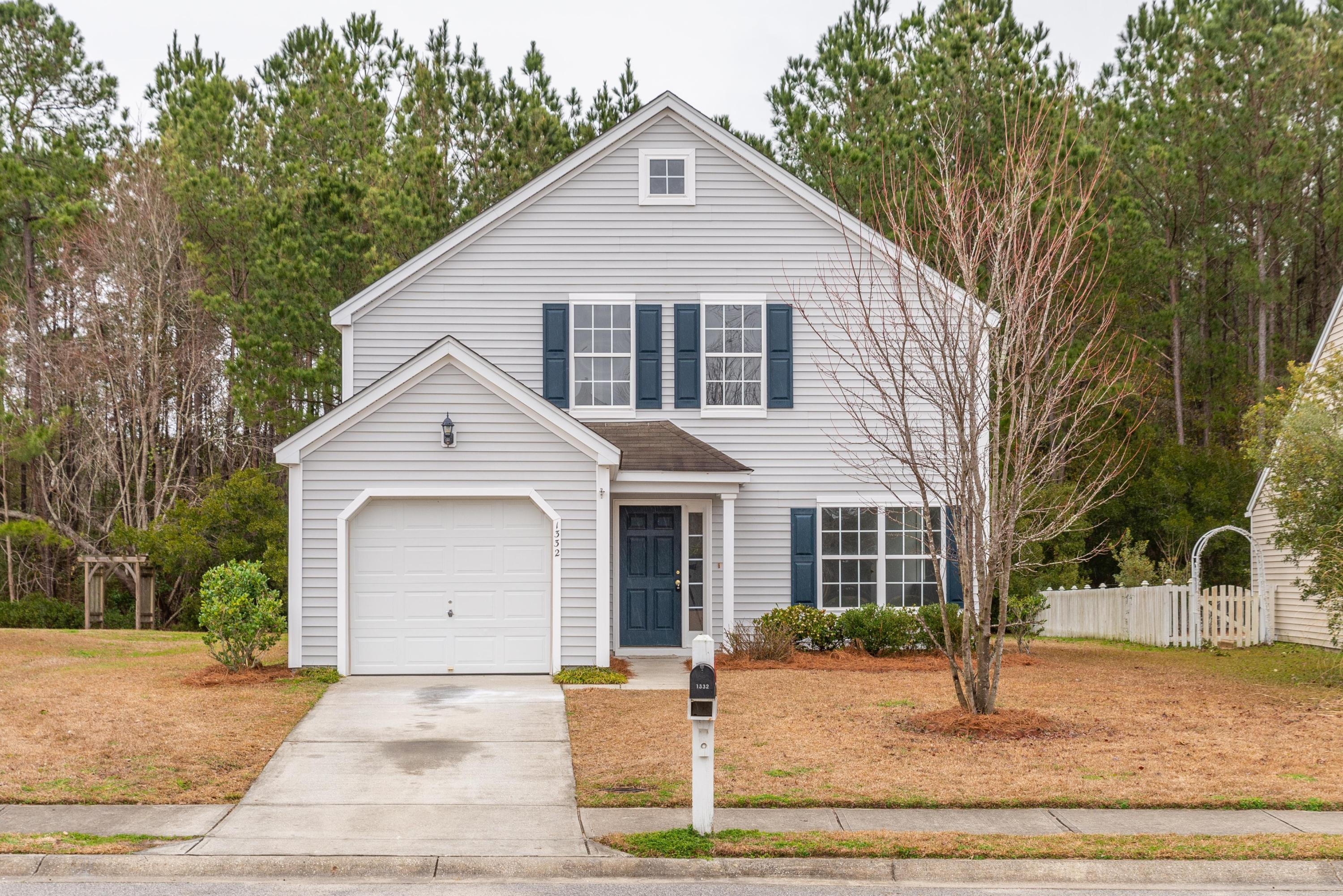 1332 Palm Cove Drive Charleston, SC 29492