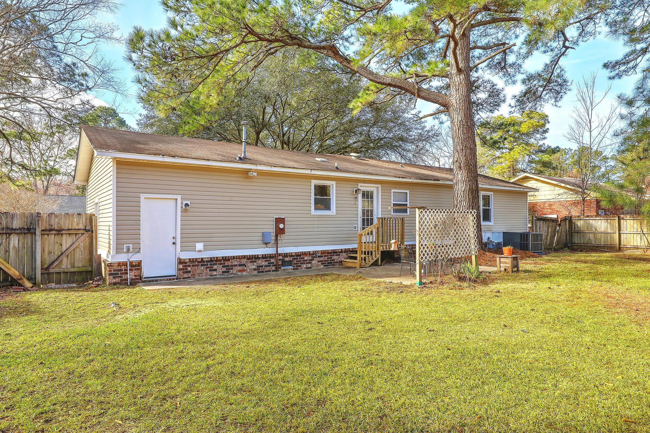 105 Sandtrap Road Summerville, SC 29483
