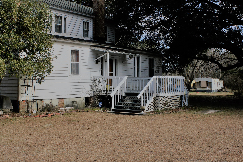 1127 Springwood Road Pineville, SC 29468