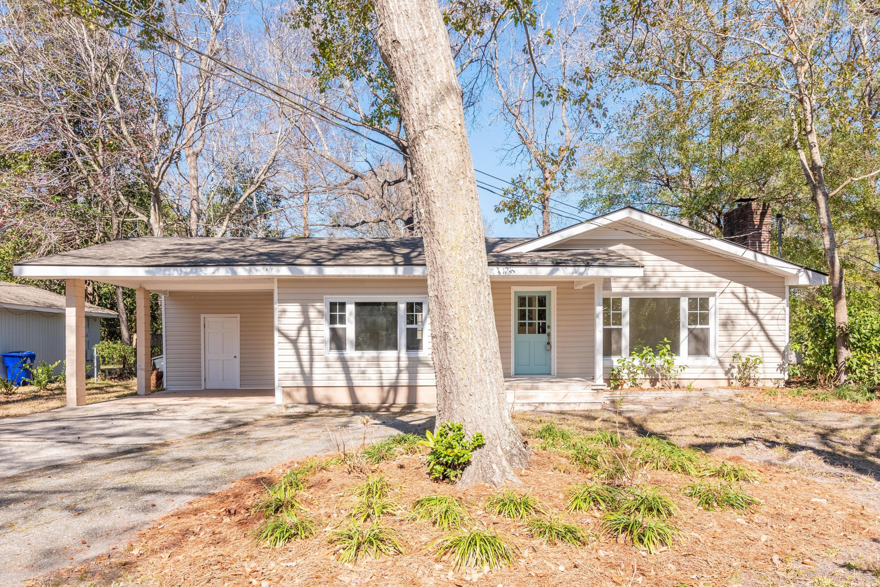 1328 S Sherwood Drive Charleston, SC 29407