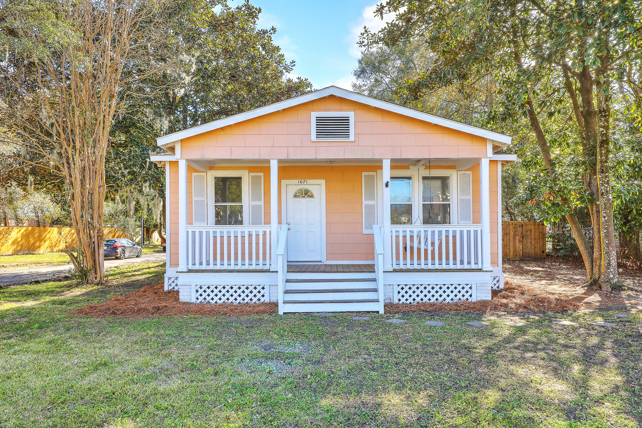 1071 Glenshaw Street North Charleston, SC 29405