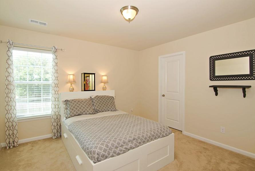 7757 Kinston Street North Charleston, SC 29418