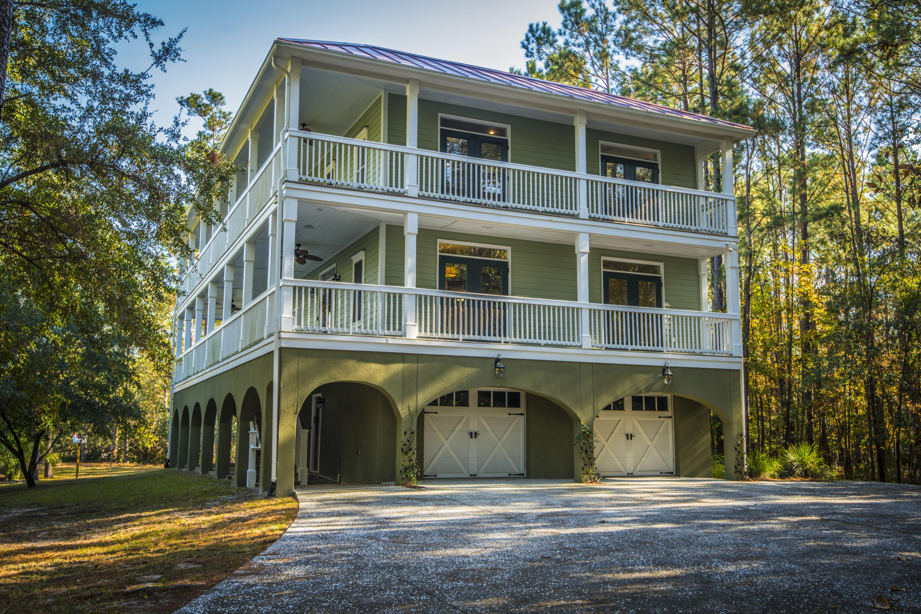 524 Commonwealth Road Mount Pleasant, SC 29466