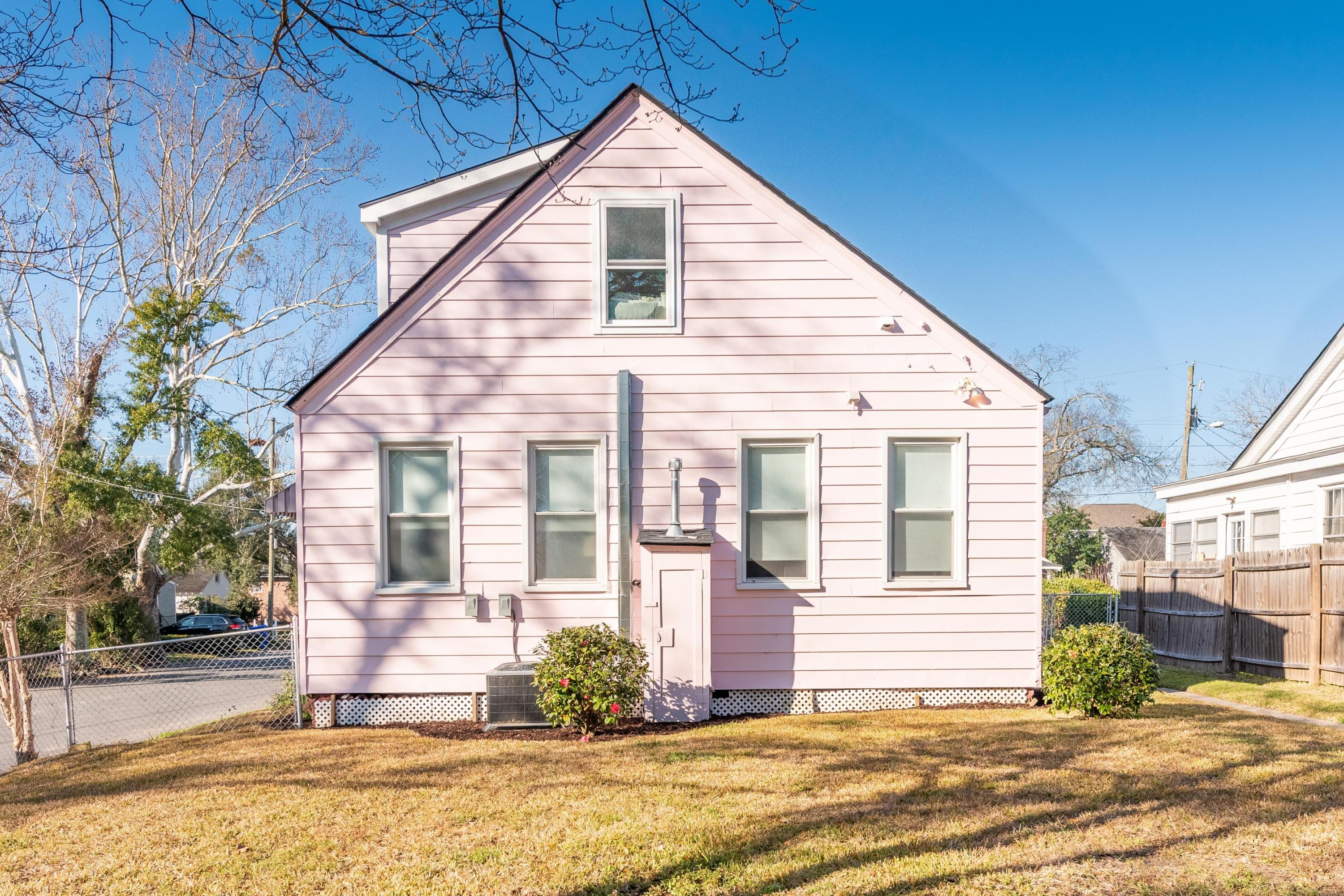 870 Ashley Avenue Charleston, SC 29403