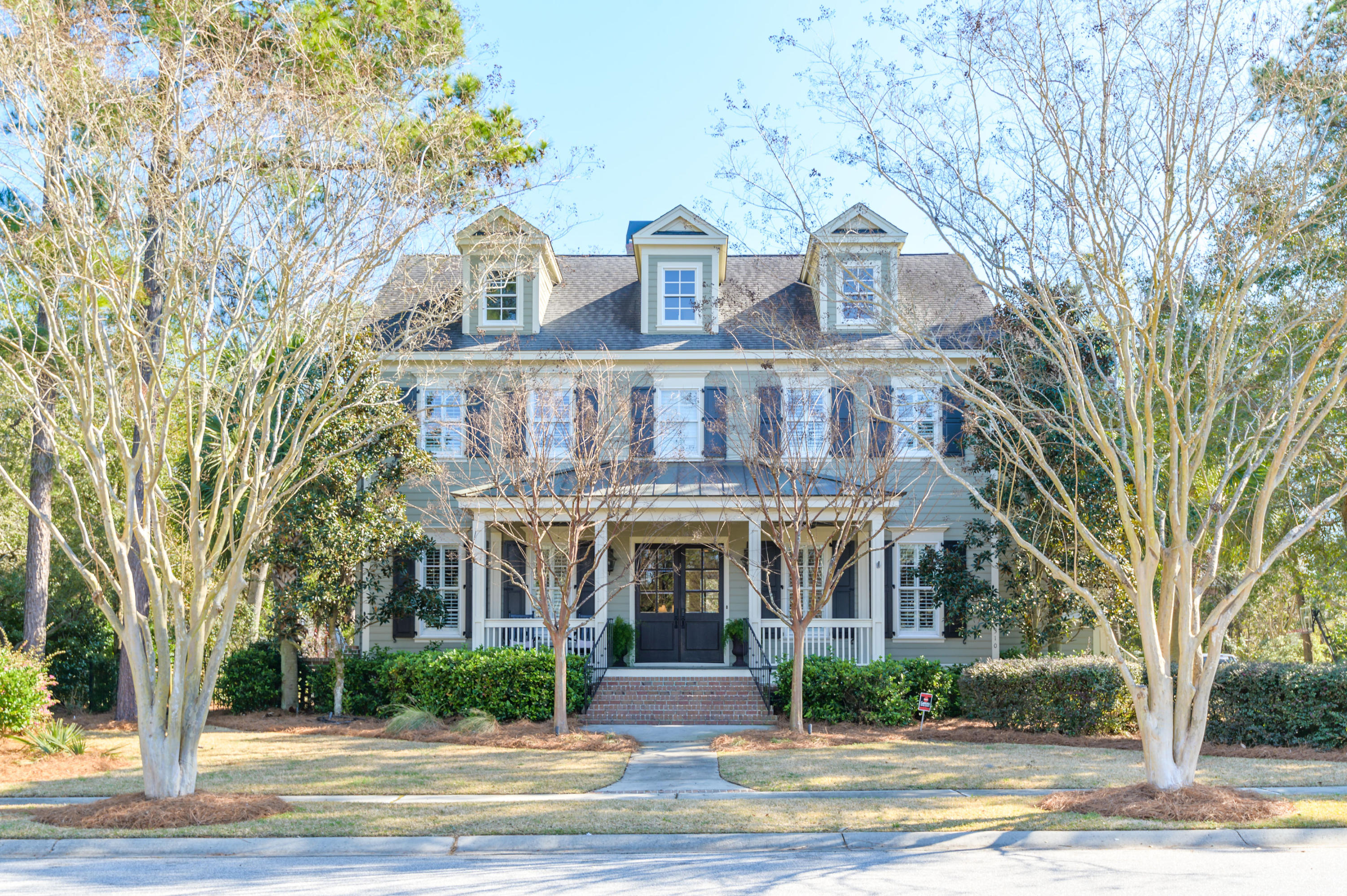 310 Pilots Point Mount Pleasant, SC 29464