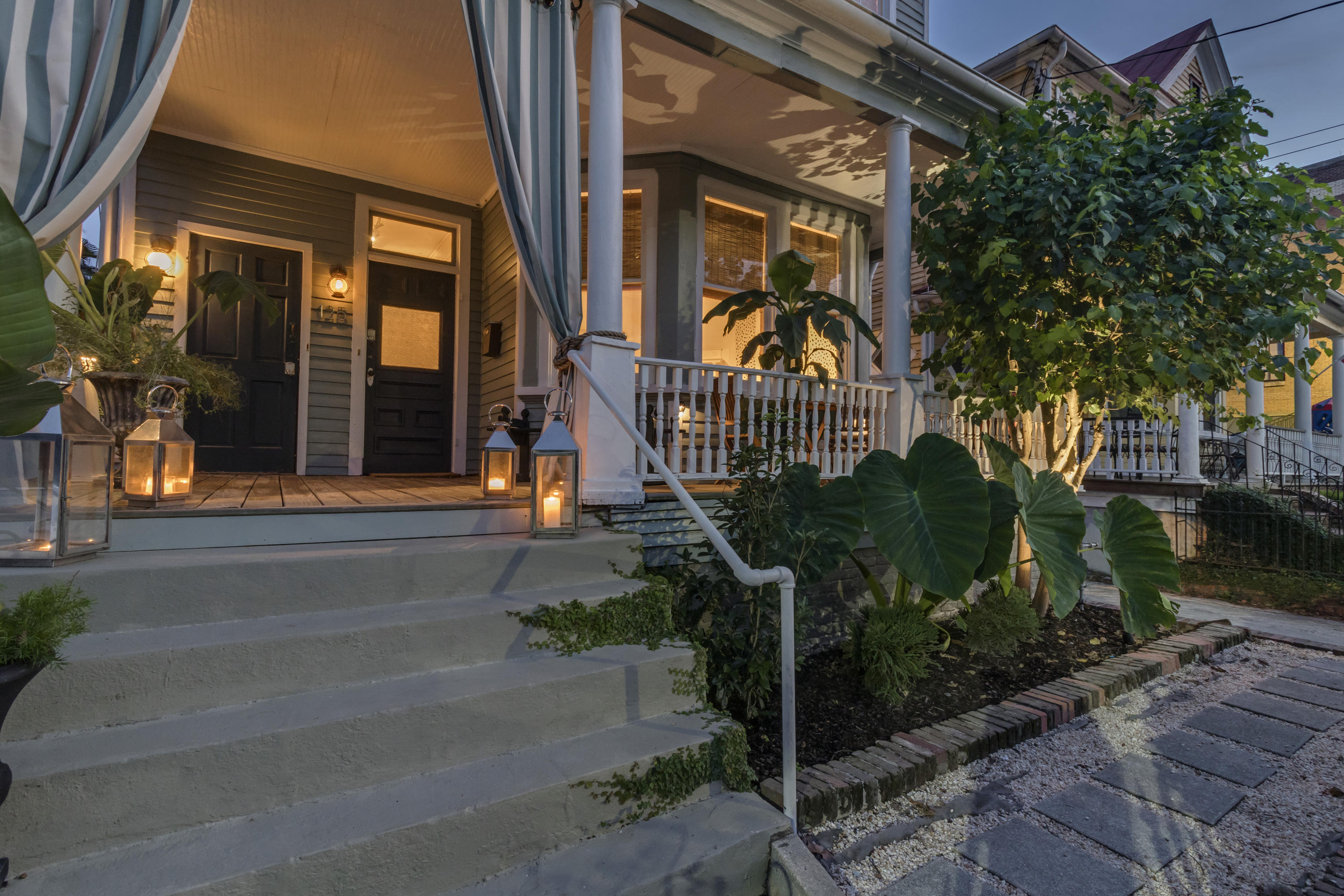 125 Fishburne Street Charleston, SC 29403