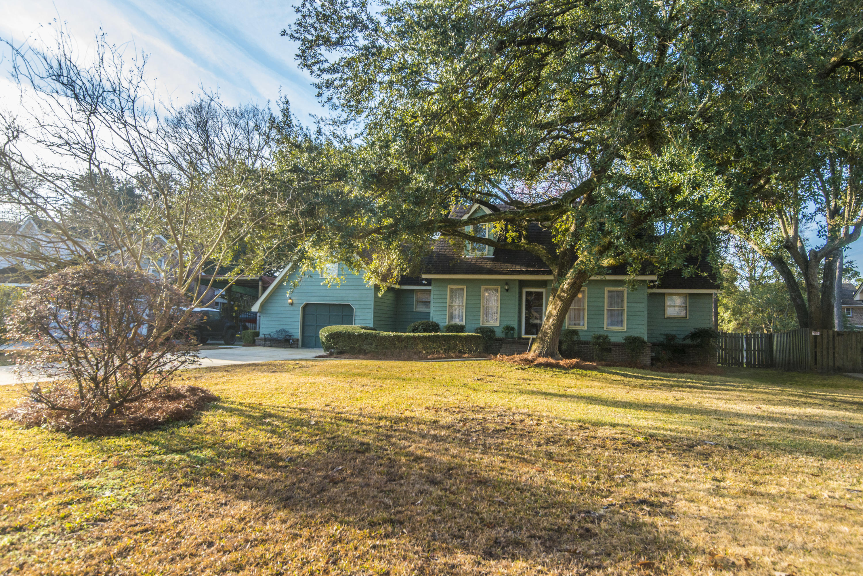 2409 Sylvan Shores Drive Charleston, SC 29414