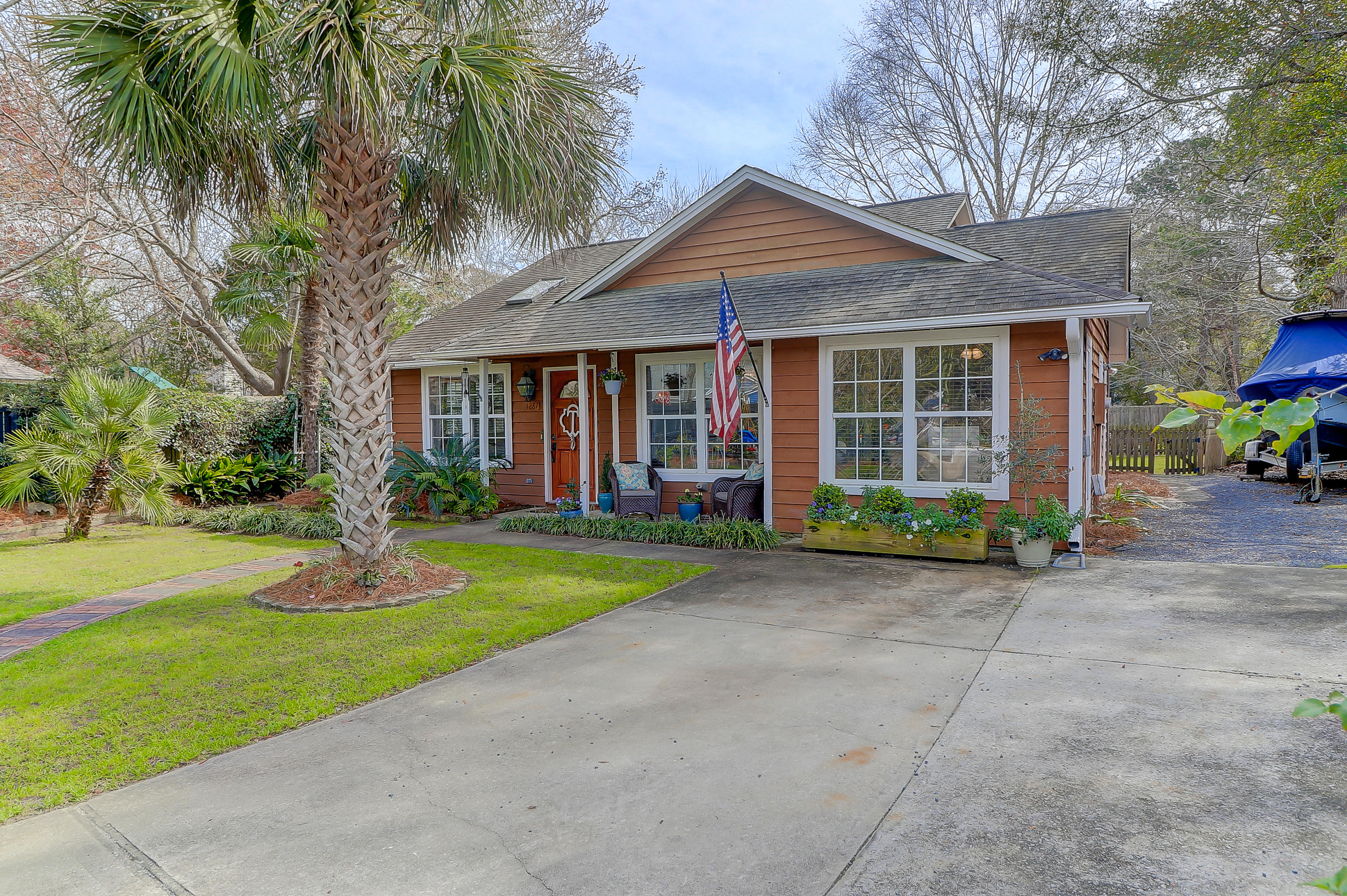 1287 Lake Mallard Boulevard Mount Pleasant, SC 29464