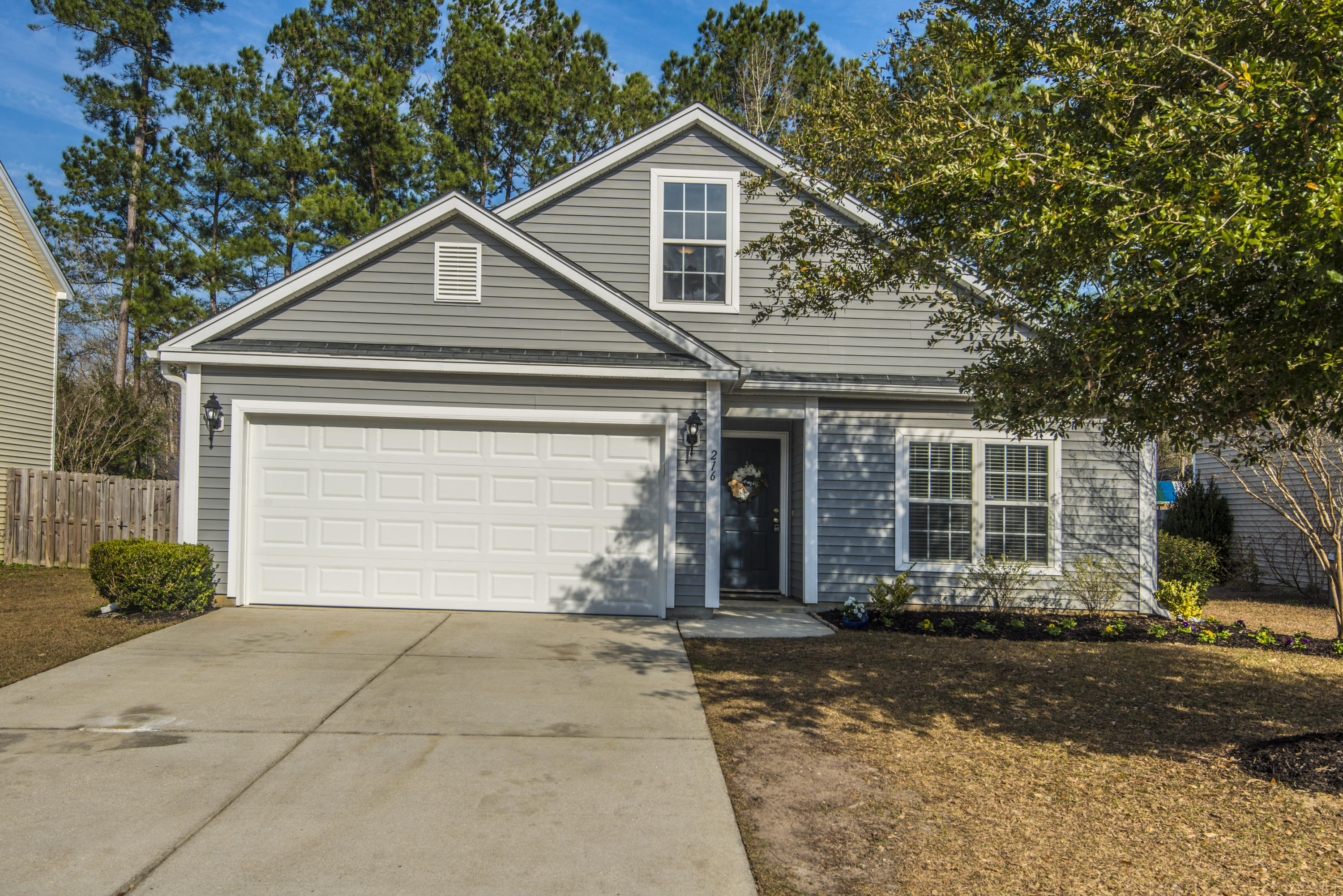 216 Myrtle Way Summerville, SC 29483