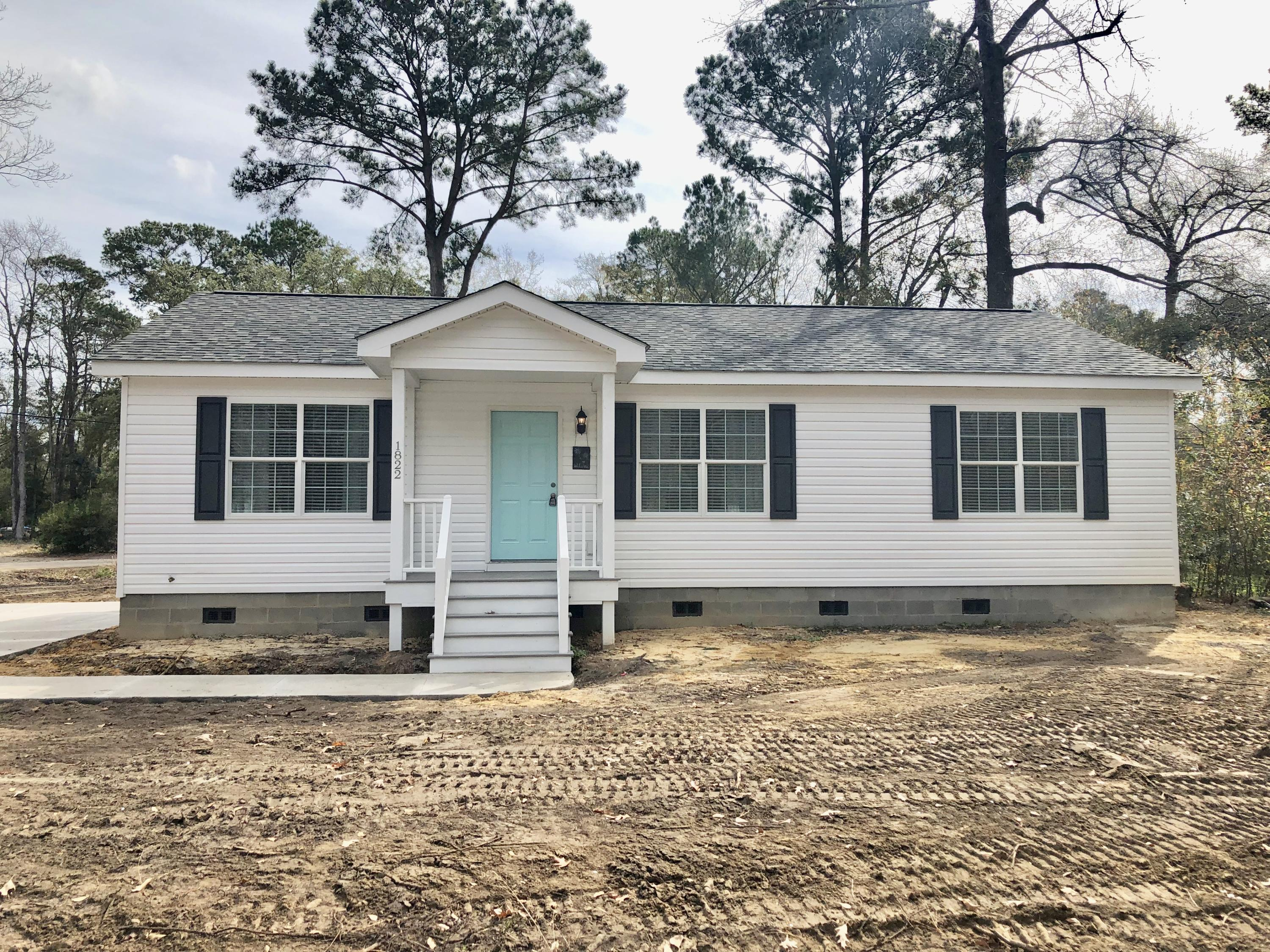 1822 Wallace Lane Charleston, SC 29407