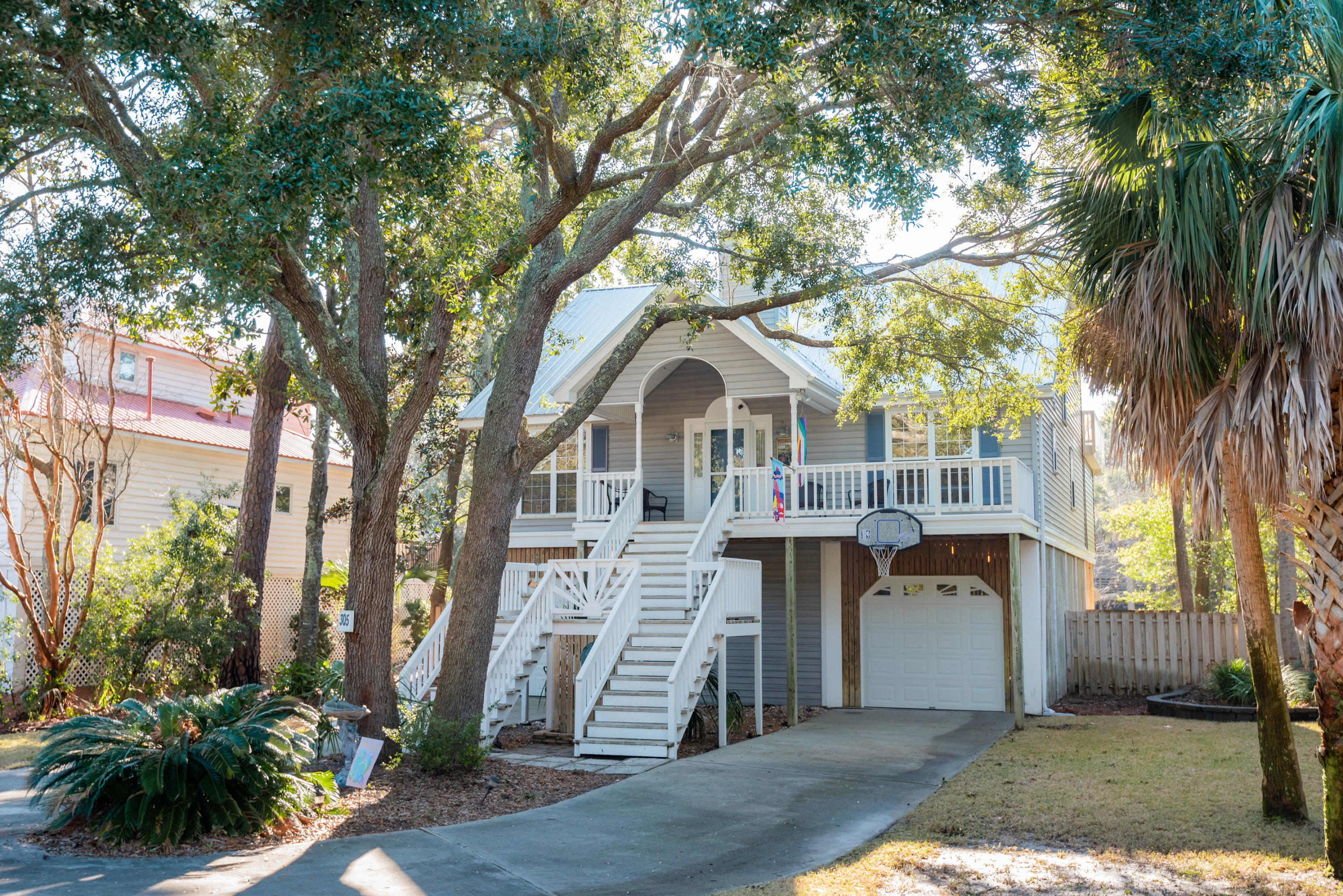 305 W Hudson Avenue Folly Beach, SC 29439