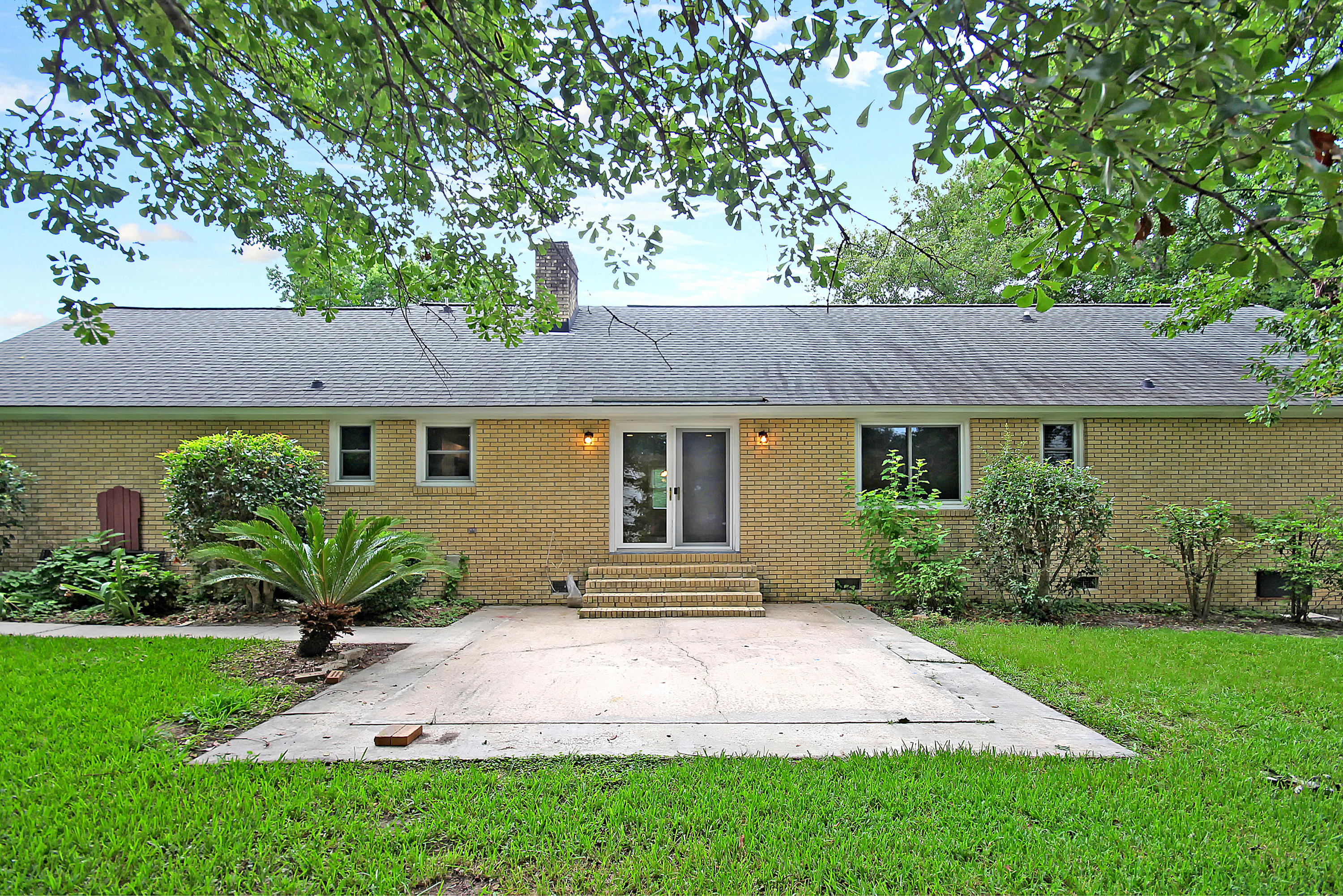 957 Orange Grove Road Charleston, SC 29407