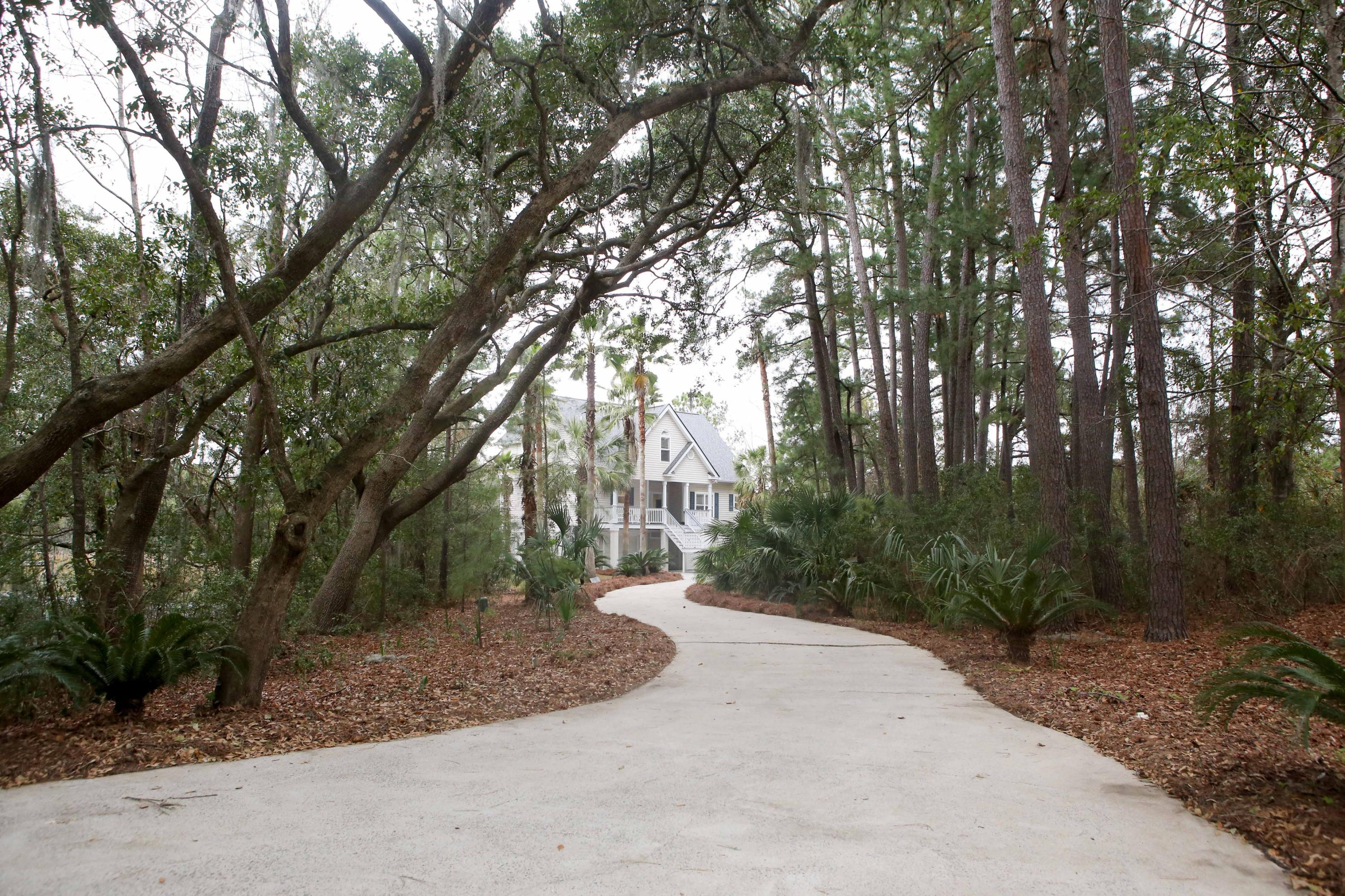 653 Oak Marsh Drive Mount Pleasant, SC 29464