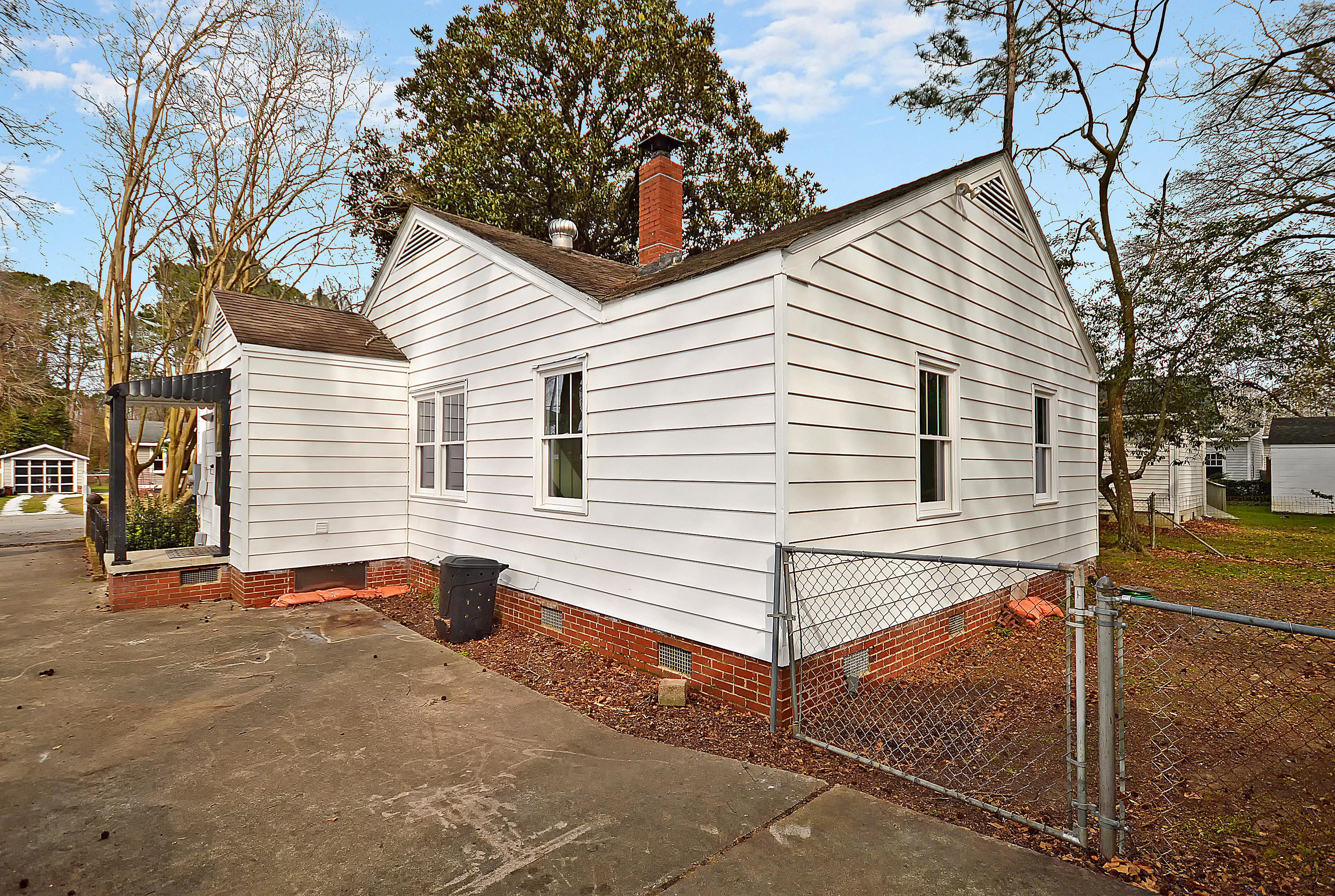 1191 Sherwood Street North Charleston, SC 29405