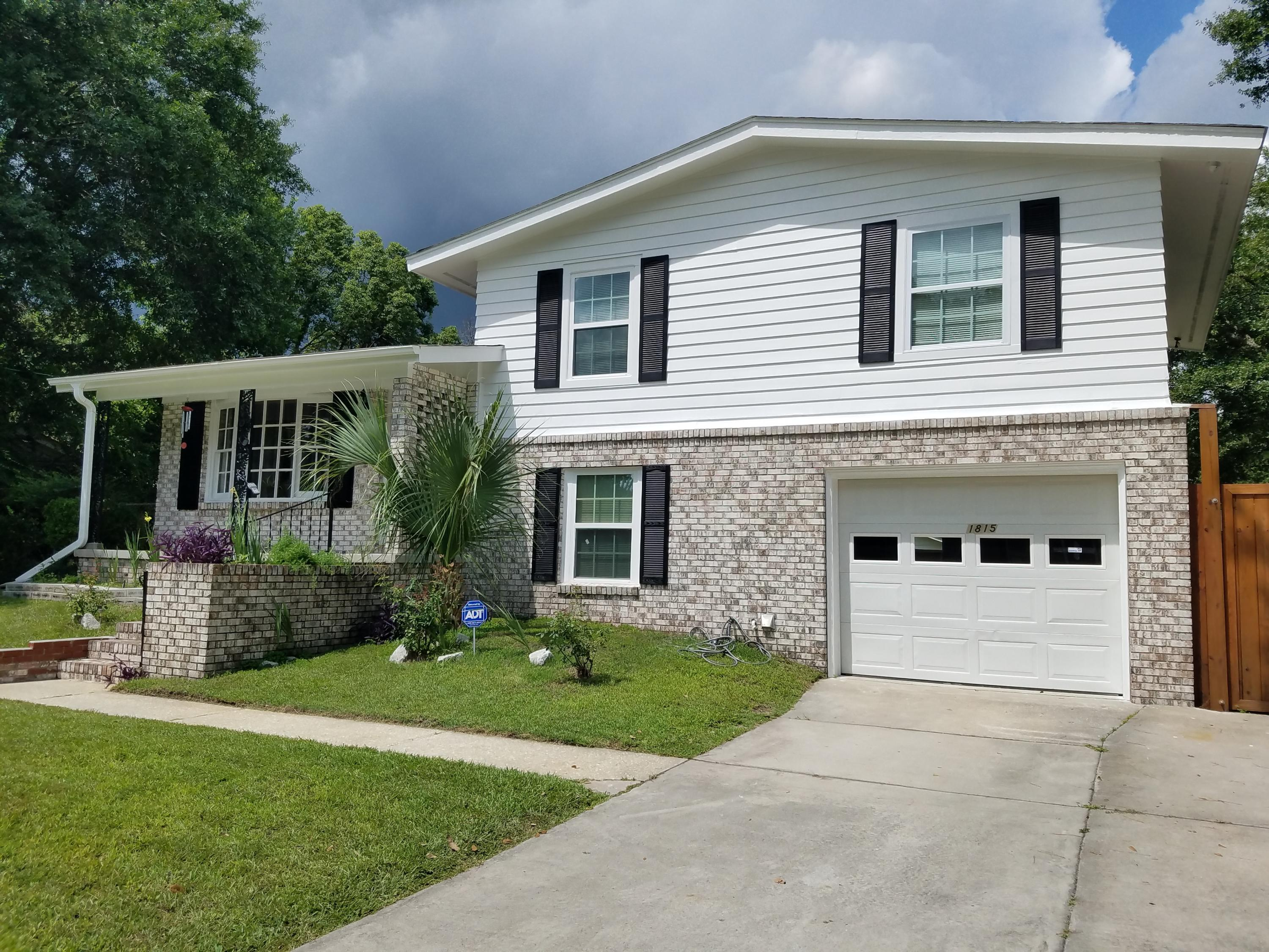 1815 Gippy Lane Charleston, SC 29407