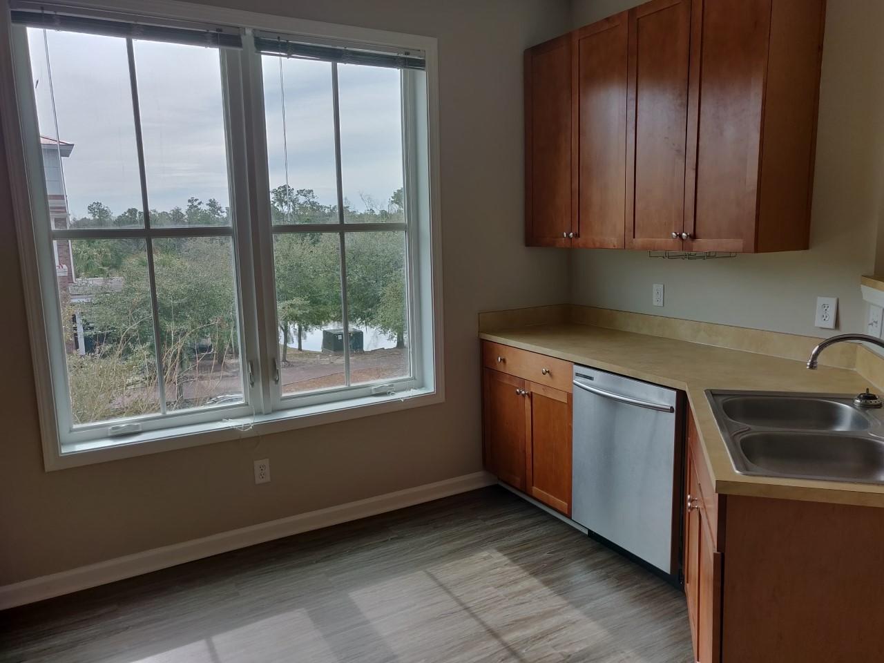 260 Seven Farms Drive Charleston, SC 29492