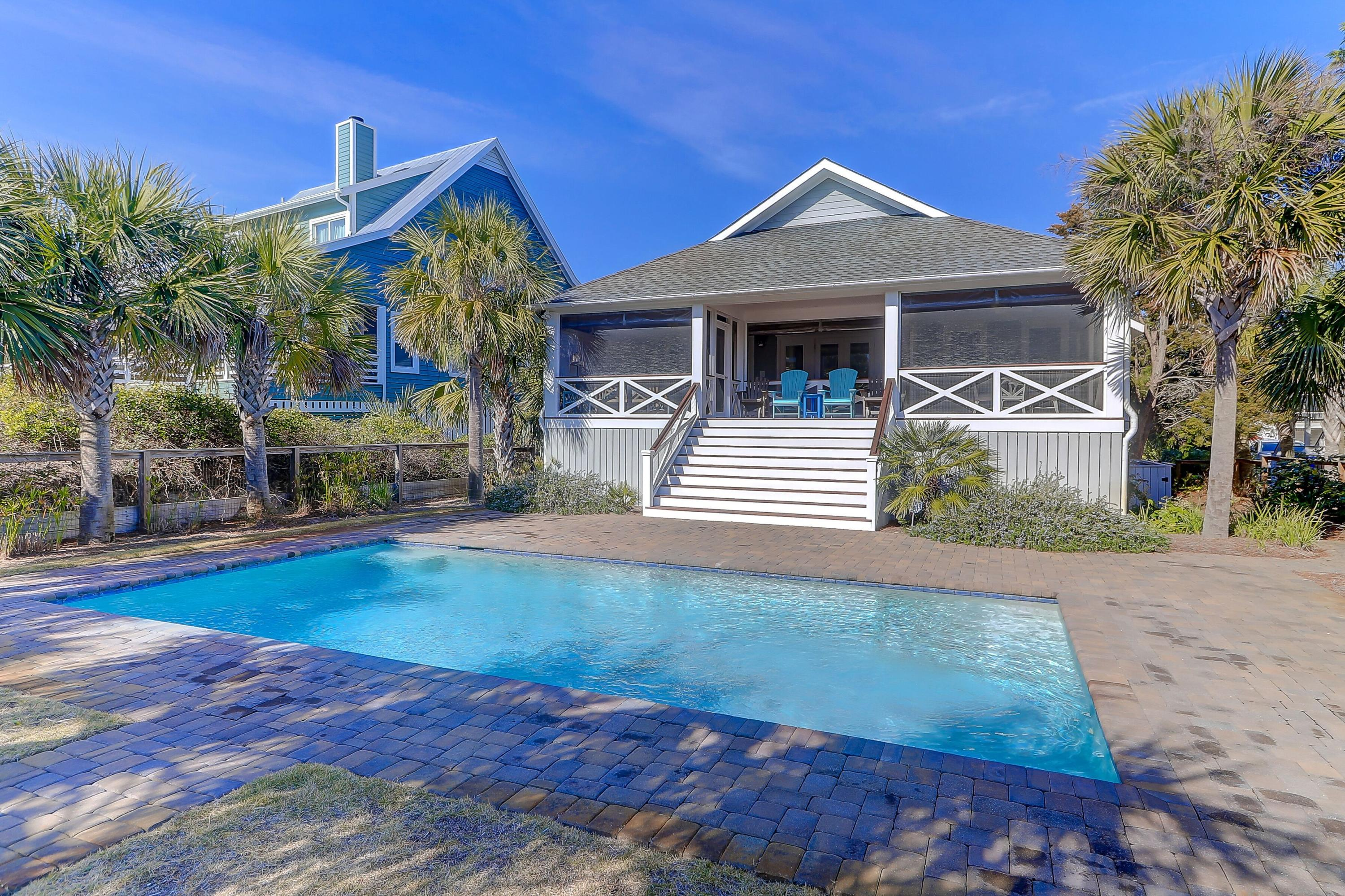 302 Charleston Boulevard Isle Of Palms, SC 29451