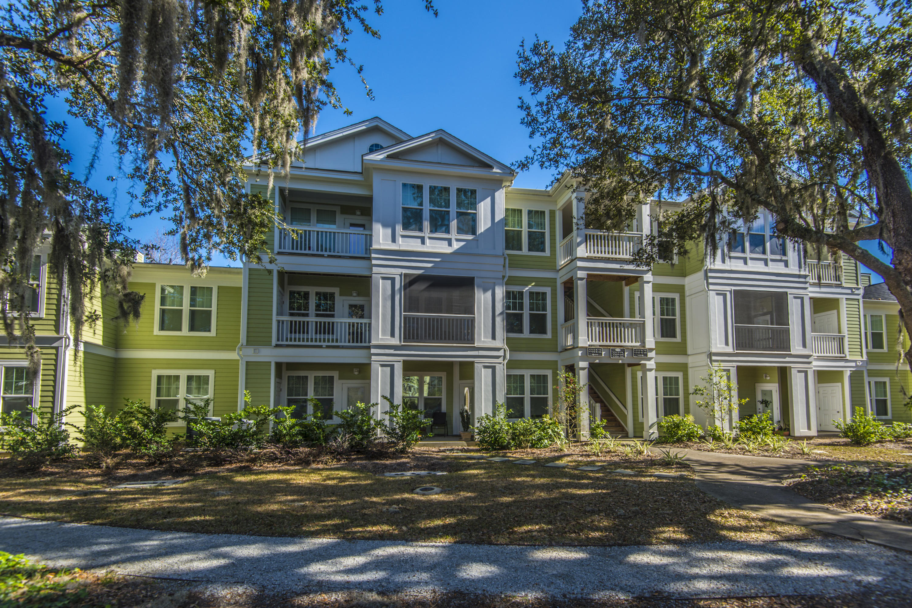 1734 Chatelain Way Mount Pleasant, SC 29464