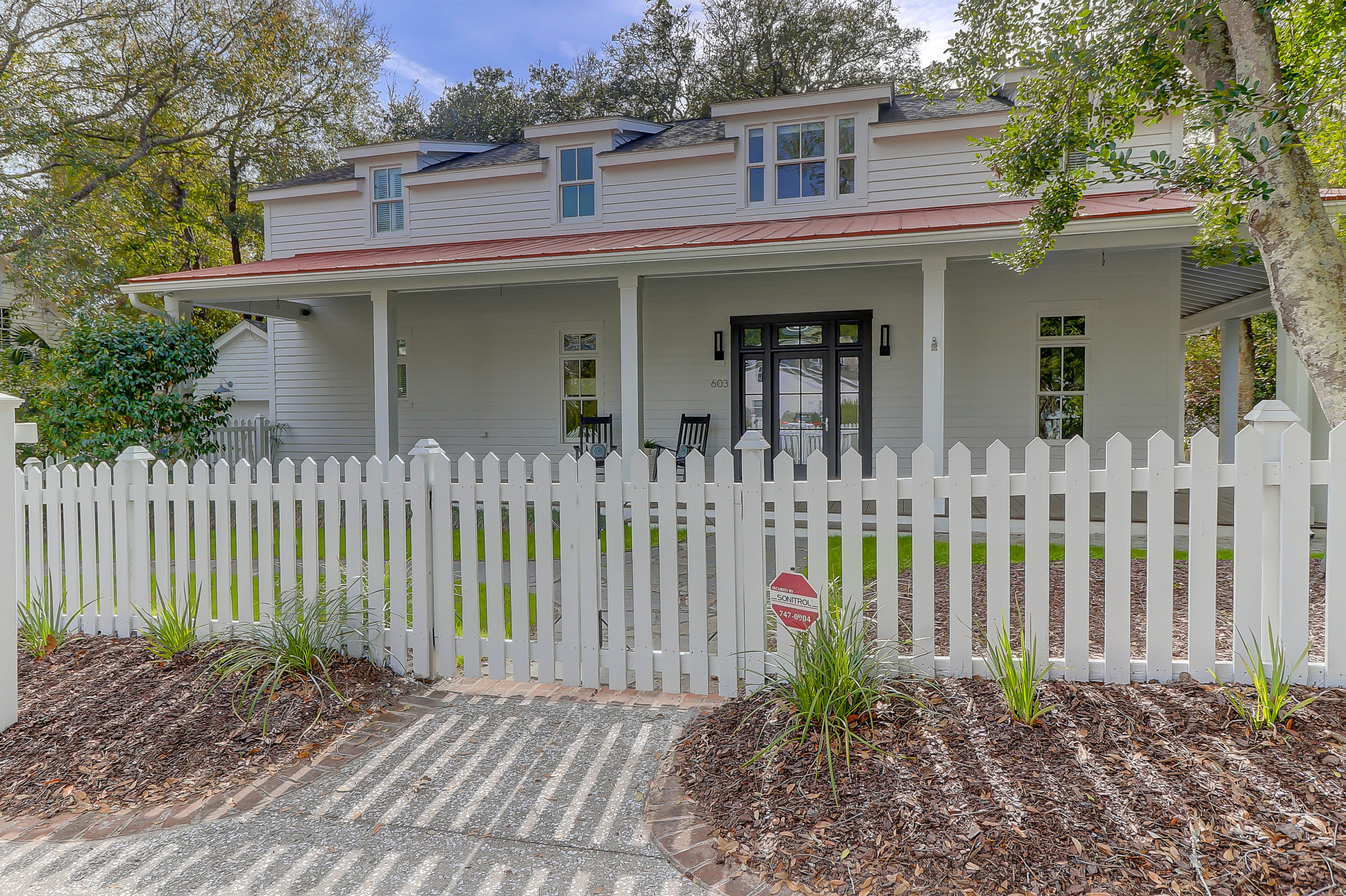 603 Royall Avenue Mount Pleasant, SC 29464