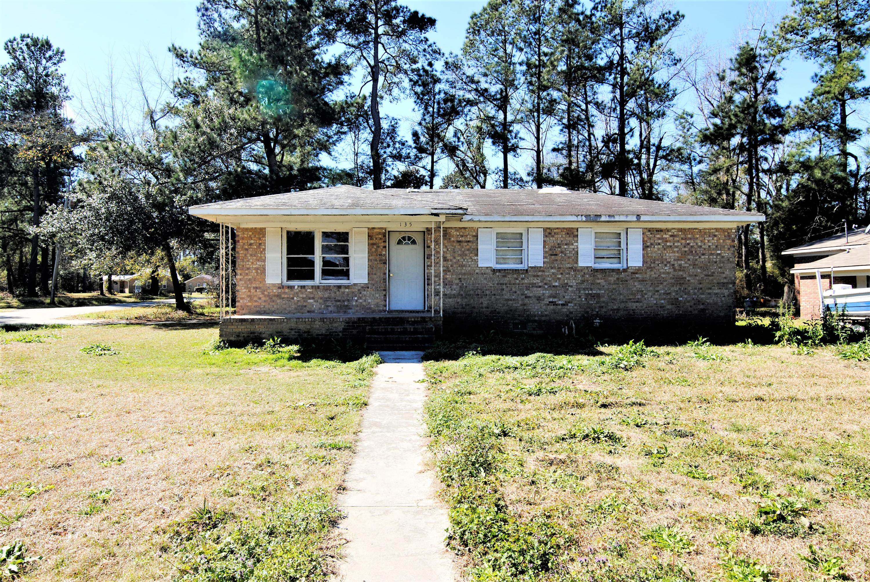 135 Wells Circle Saint Stephen, SC 29479